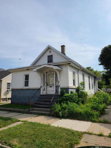 1637 Villa St, Racine, Wisconsin 53403, 2 Bedrooms Bedrooms, ,1 BathroomBathrooms,Single-family,For Sale,Villa St,1707341