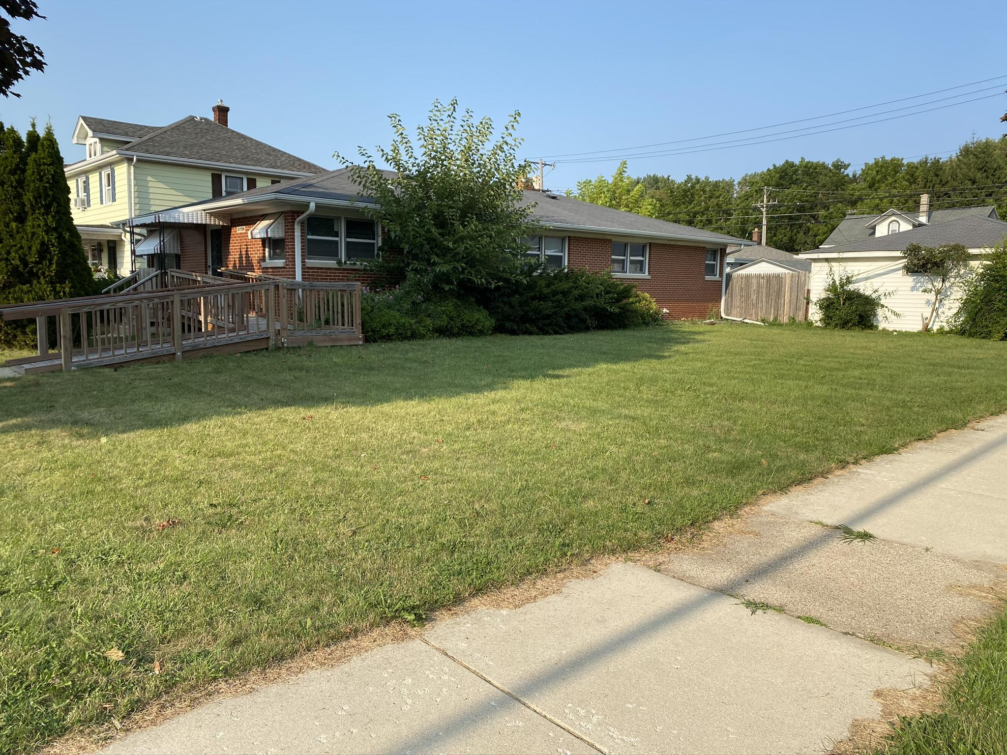 1945 Center St, Racine, Wisconsin 53403, 5 Bedrooms Bedrooms, ,2 BathroomsBathrooms,Single-family,For Sale,Center St,1708376
