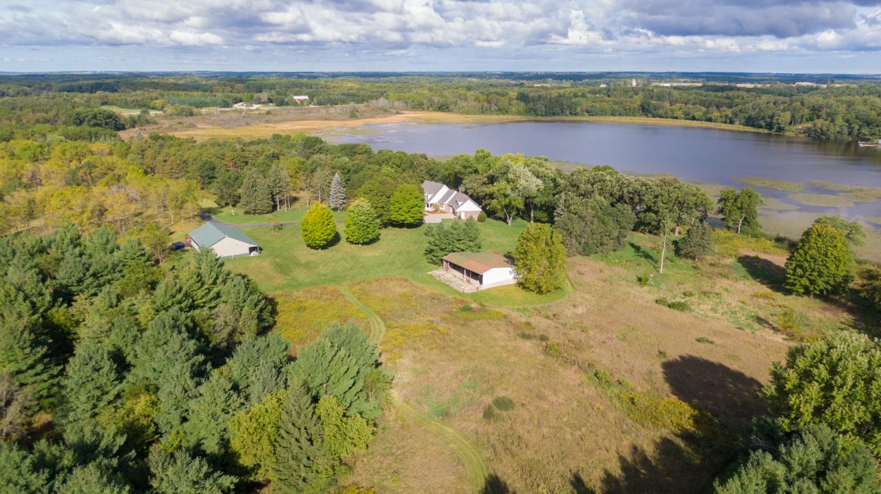 Photo of 4111 Dyer Lake Rd, Burlington, WI 53105