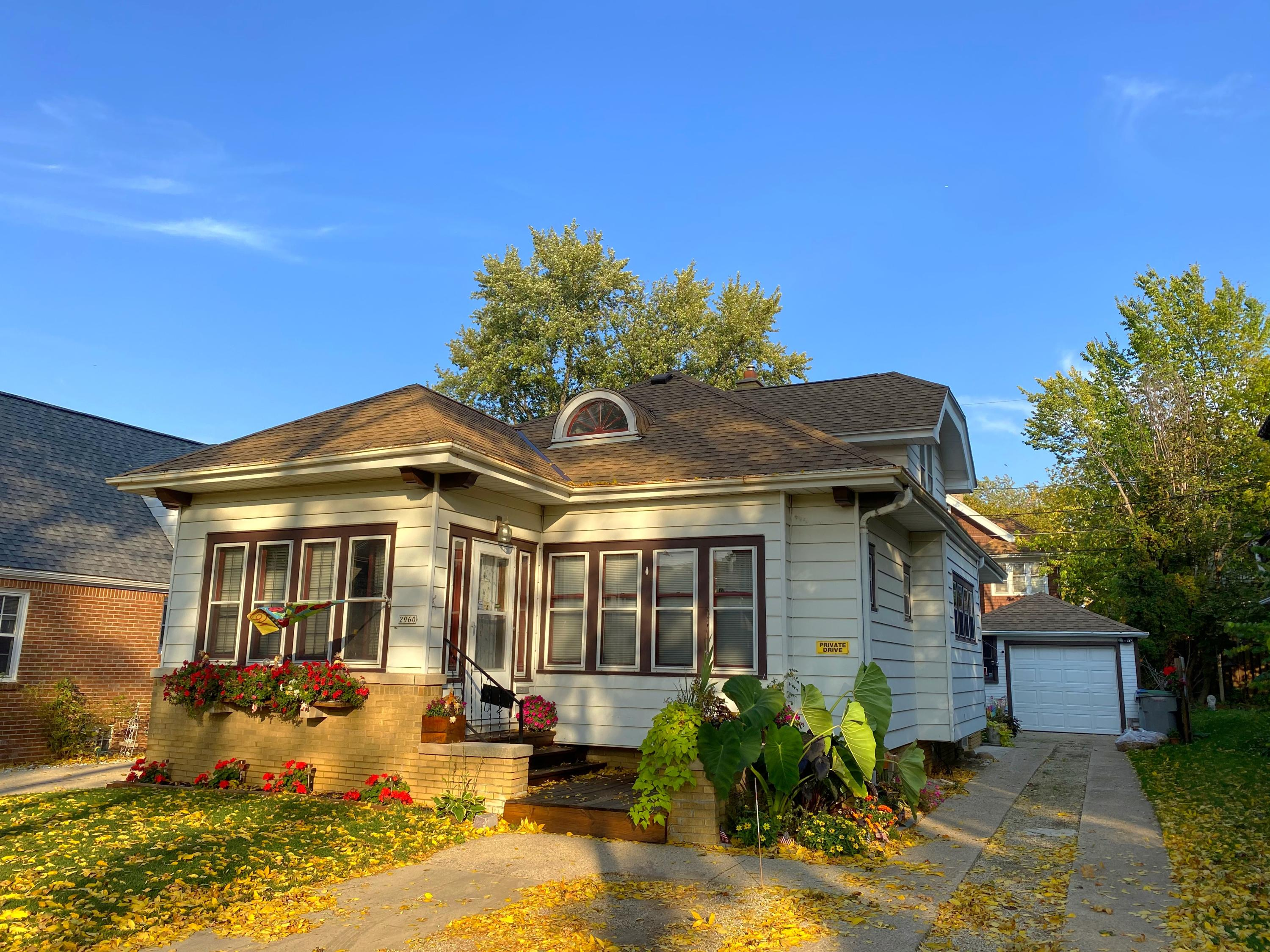 2960 56th St, Milwaukee, Wisconsin 53210, 3 Bedrooms Bedrooms, ,1 BathroomBathrooms,Single-family,For Sale,56th St,1714180