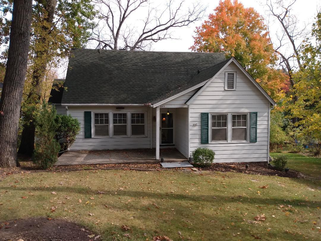 643 Agaming Rd, Fontana, Wisconsin 53125, 4 Bedrooms Bedrooms, ,1 BathroomBathrooms,Single-family,For Sale,Agaming Rd,1714417