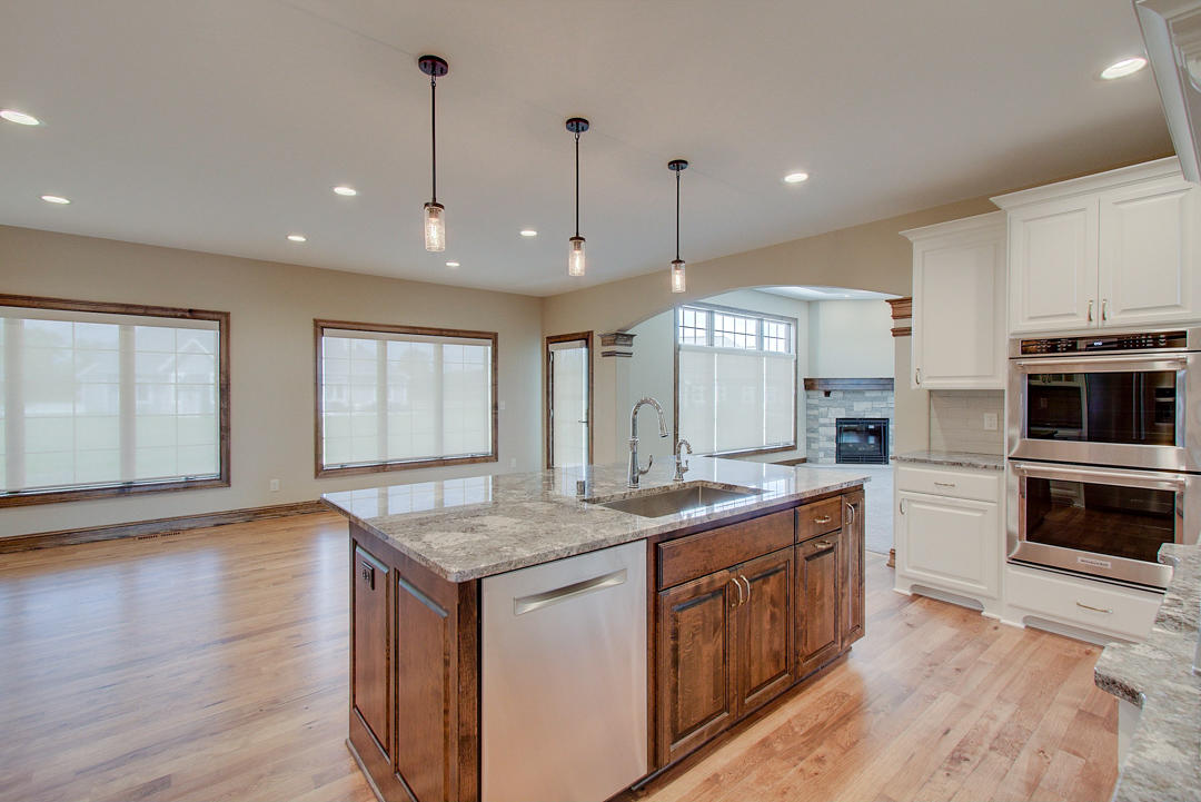 6157 Grouse Hollow Ct, New Berlin, Wisconsin 53151, 4 Bedrooms Bedrooms, ,3 BathroomsBathrooms,Single-family,For Sale,Grouse Hollow Ct,1714867
