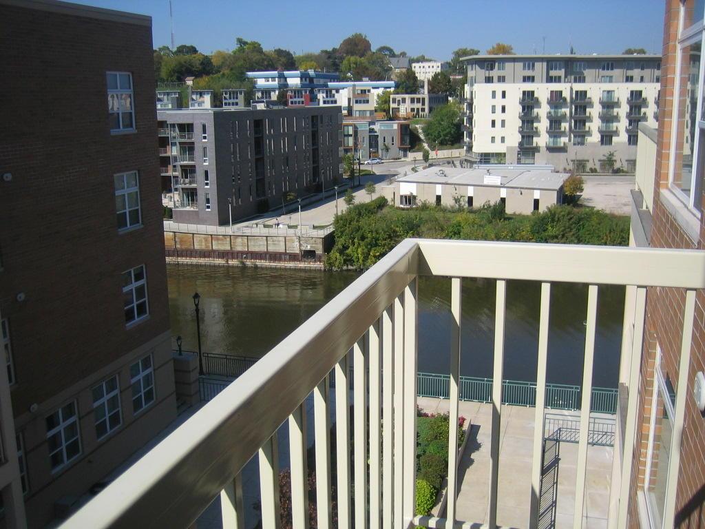 1925 Water St, Milwaukee, Wisconsin 53202, 1 Bedroom Bedrooms, ,1 BathroomBathrooms,Condominium,For Sale,Water St,1718056