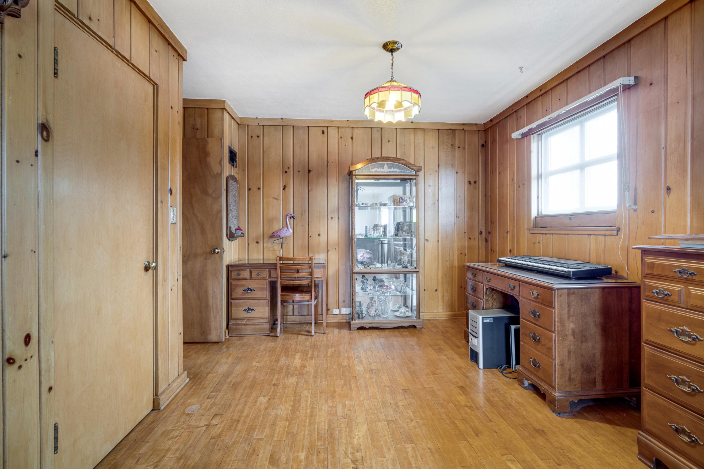 1643 Washington St, Grafton, Wisconsin 53024, 4 Bedrooms Bedrooms, 7 Rooms Rooms,2 BathroomsBathrooms,Single-family,For Sale,Washington St,1721075