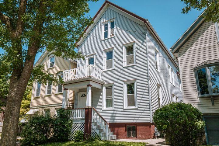 1856 Arlington Pl, Milwaukee, Wisconsin 53202, ,Two-family,For Sale,Arlington Pl,1721159