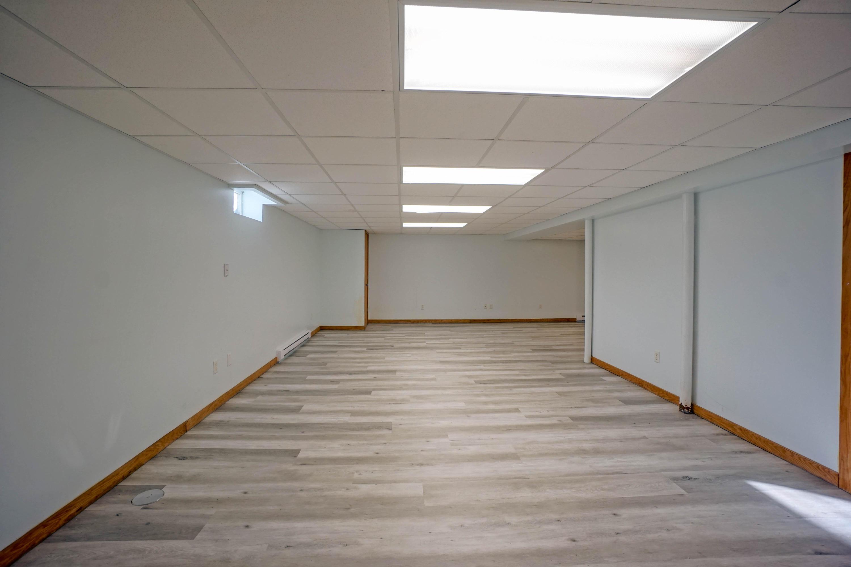 5015 De Soto Ct, New Berlin, Wisconsin 53151, 3 Bedrooms Bedrooms, 8 Rooms Rooms,3 BathroomsBathrooms,Single-family,For Sale,De Soto Ct,1721303