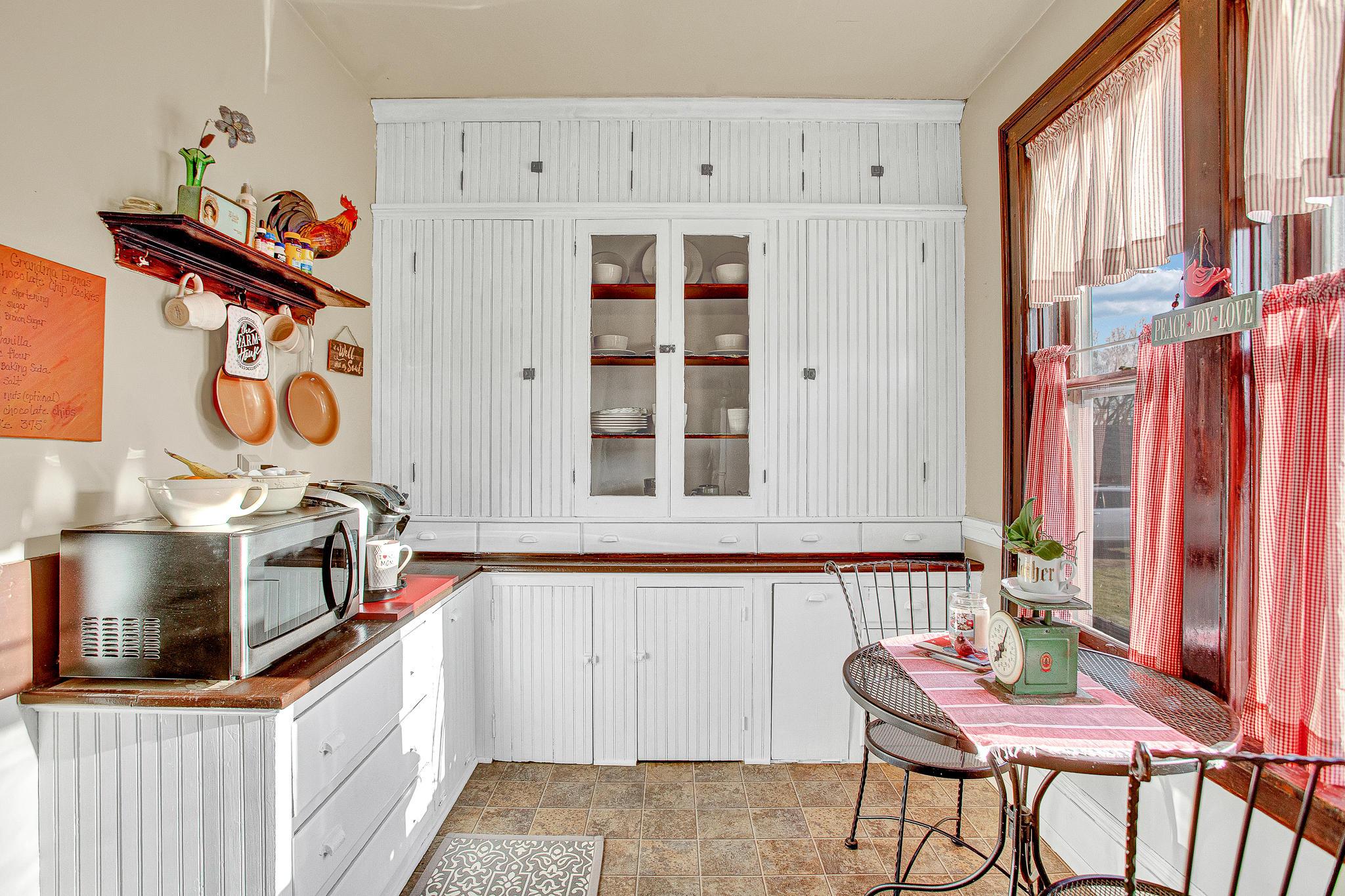 Classic Farmhouse Kitchen