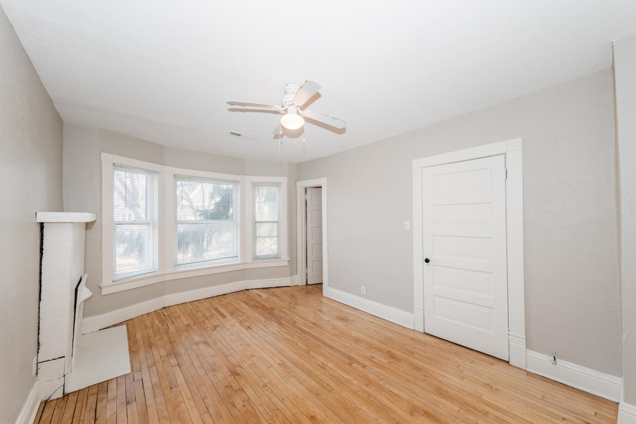 3285 Bartlett Ave, Milwaukee, Wisconsin 53211, 3 Bedrooms Bedrooms, ,1 BathroomBathrooms,Single-family,For Sale,Bartlett Ave,1721074