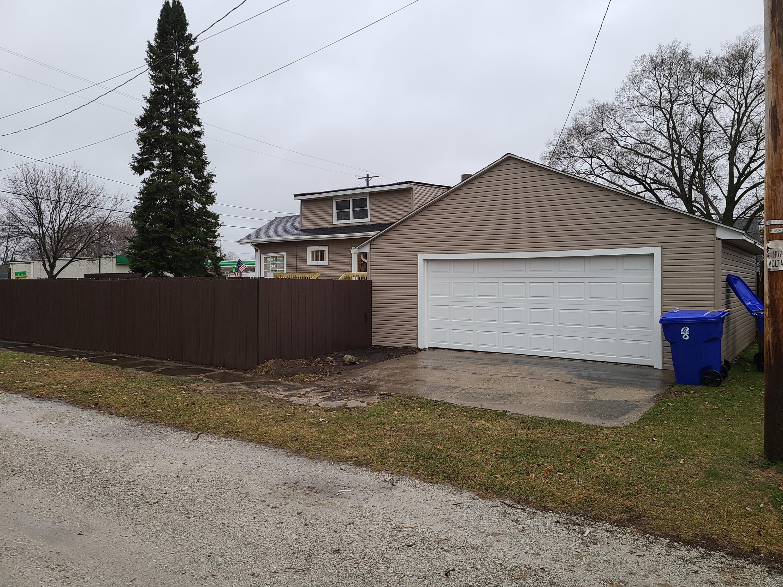 1204 82nd St, Kenosha, Wisconsin 53143, 3 Bedrooms Bedrooms, ,1 BathroomBathrooms,Single-family,For Sale,82nd St,1721397