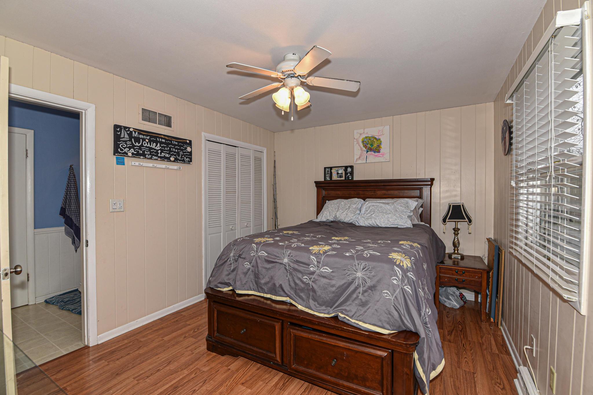 1st Flr bedroom