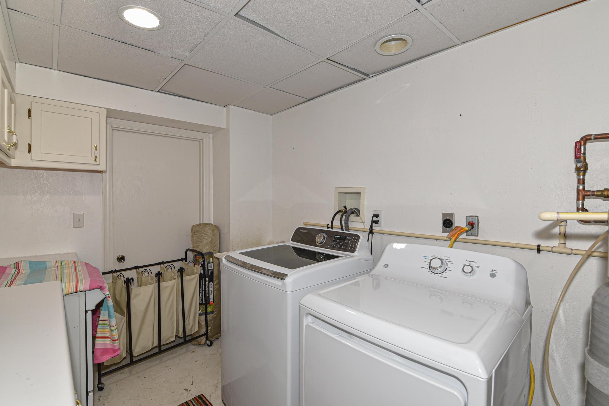 Lower level wash room