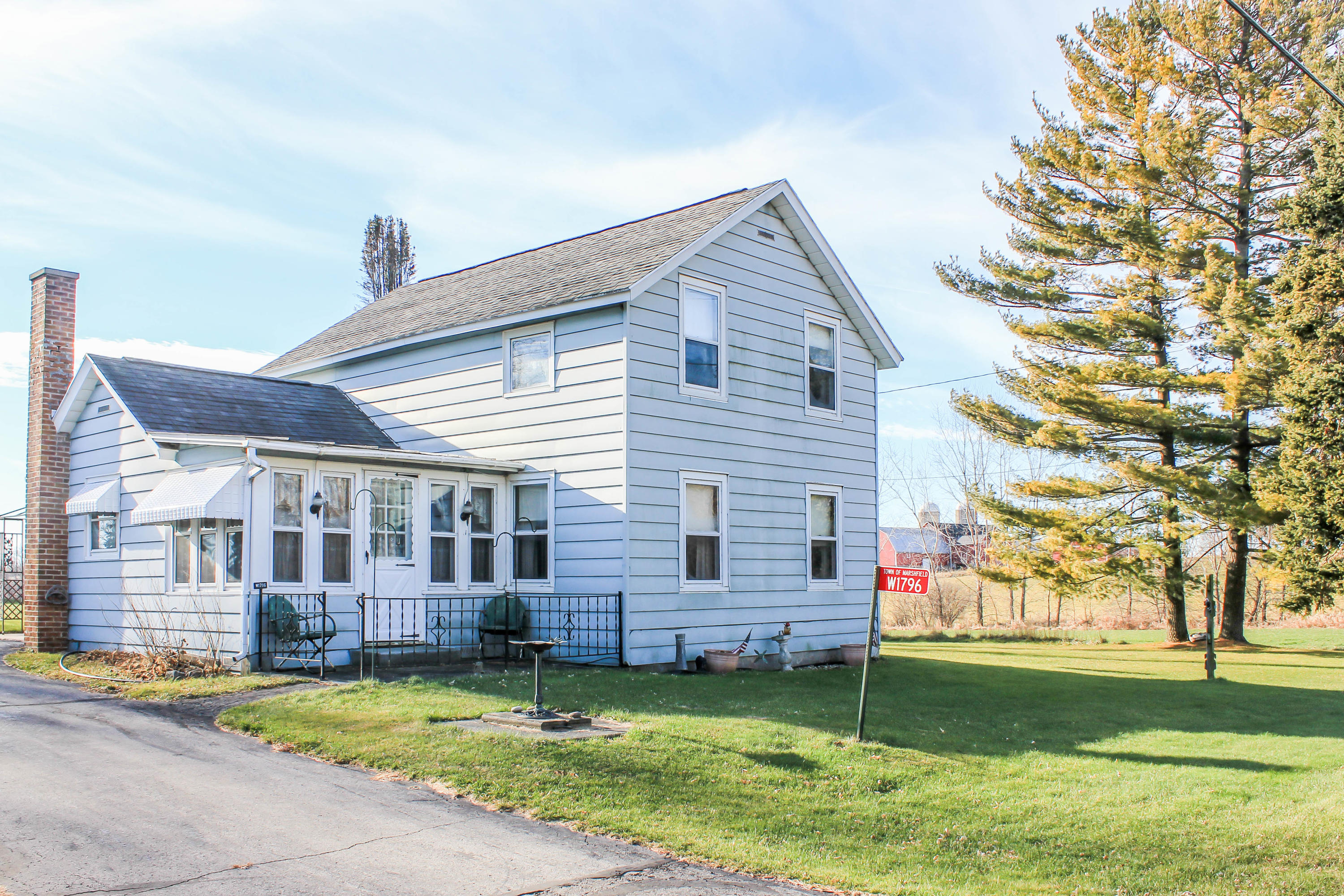W1796 Puddlefort St, Marshfield, Wisconsin 53057, 4 Bedrooms Bedrooms, ,1 BathroomBathrooms,Single-family,For Sale,Puddlefort St,1720500