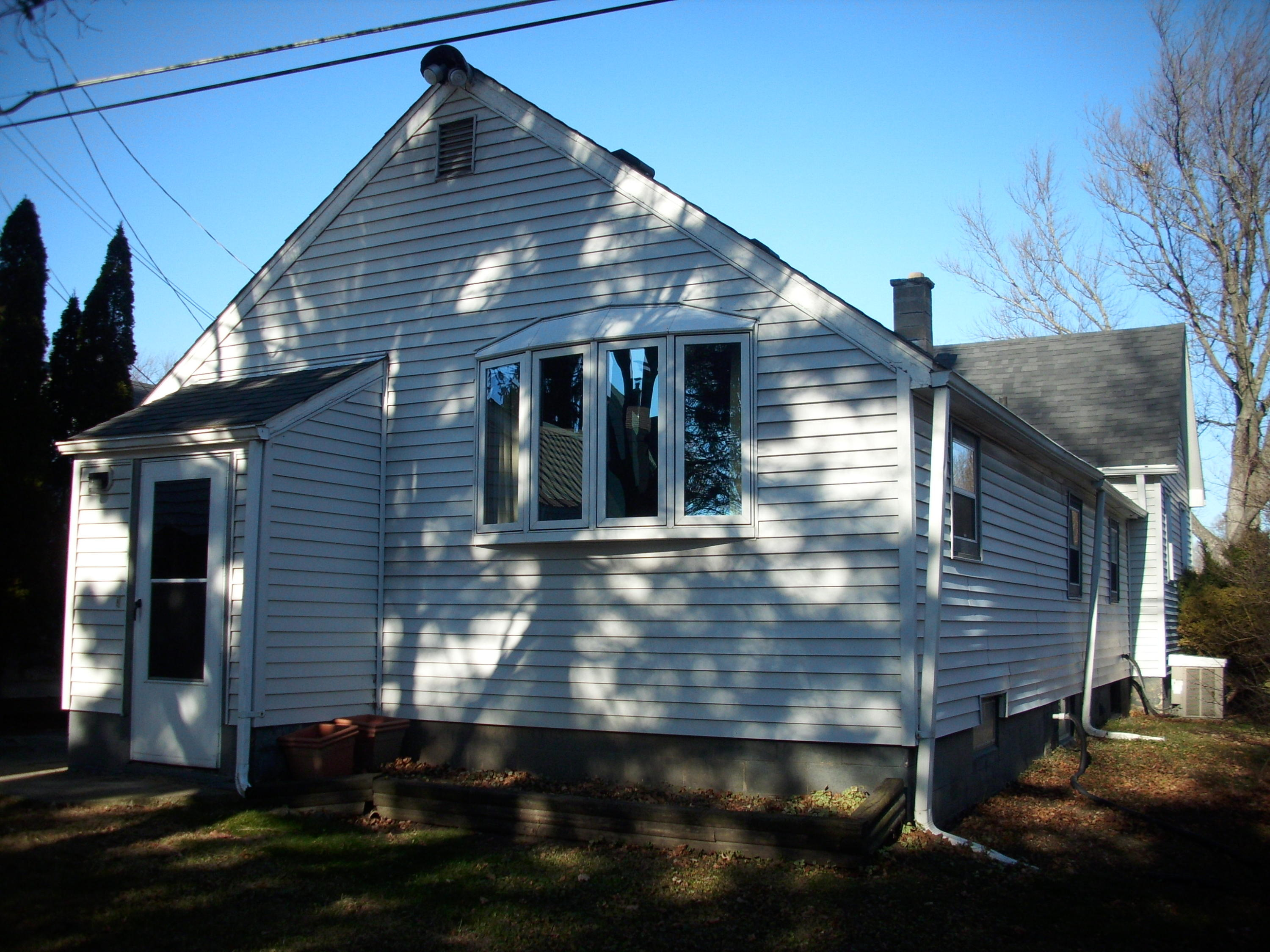 4221 Olive St, Racine, Wisconsin 53405, 2 Bedrooms Bedrooms, 7 Rooms Rooms,2 BathroomsBathrooms,Single-family,For Sale,Olive St,1722888