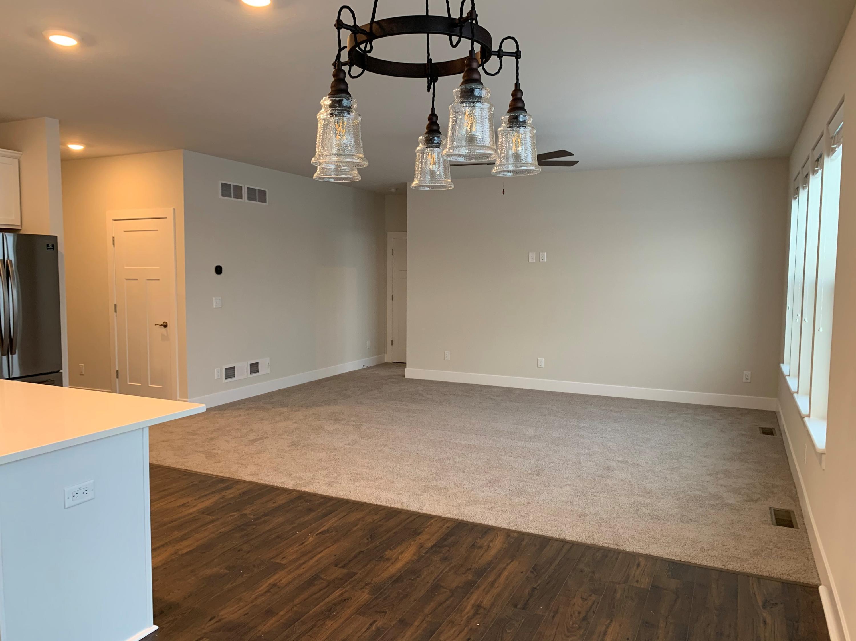 260 Farmstead Dr, Slinger, Wisconsin 53086, 2 Bedrooms Bedrooms, ,2 BathroomsBathrooms,Single-family,For Sale,Farmstead Dr,1721551