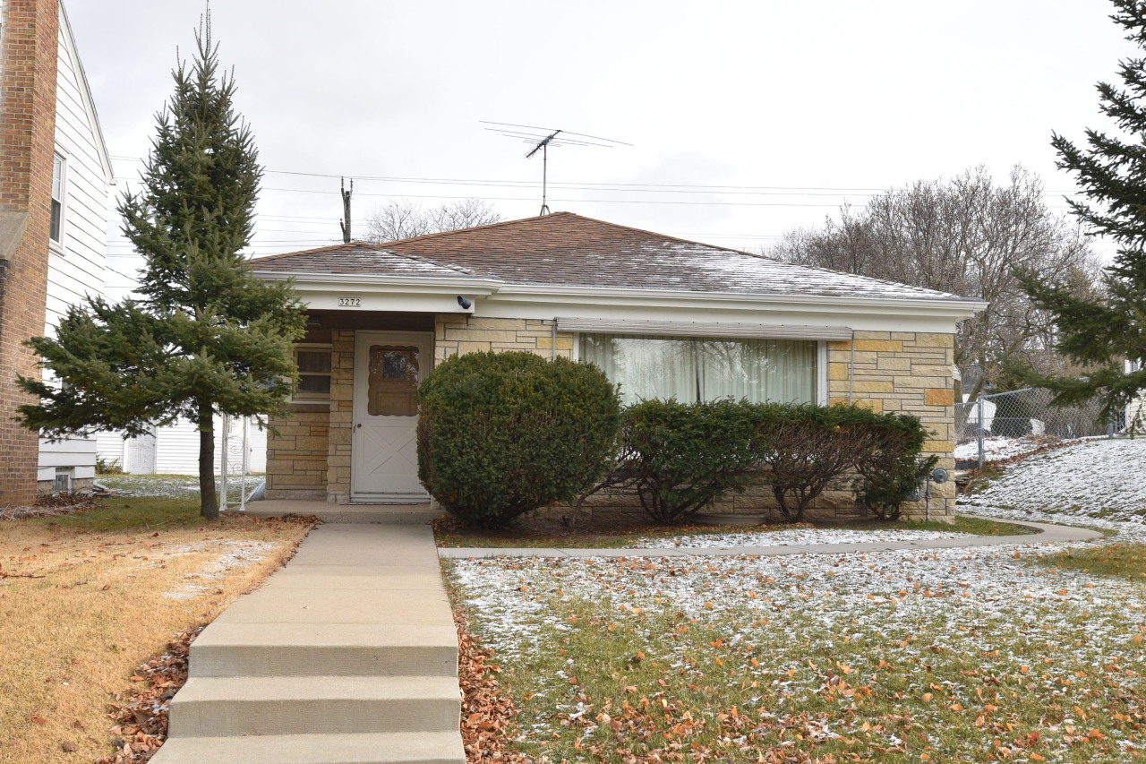 3272 92nd St, Milwaukee, Wisconsin 53222, 3 Bedrooms Bedrooms, 6 Rooms Rooms,1 BathroomBathrooms,Single-family,For Sale,92nd St,1721595