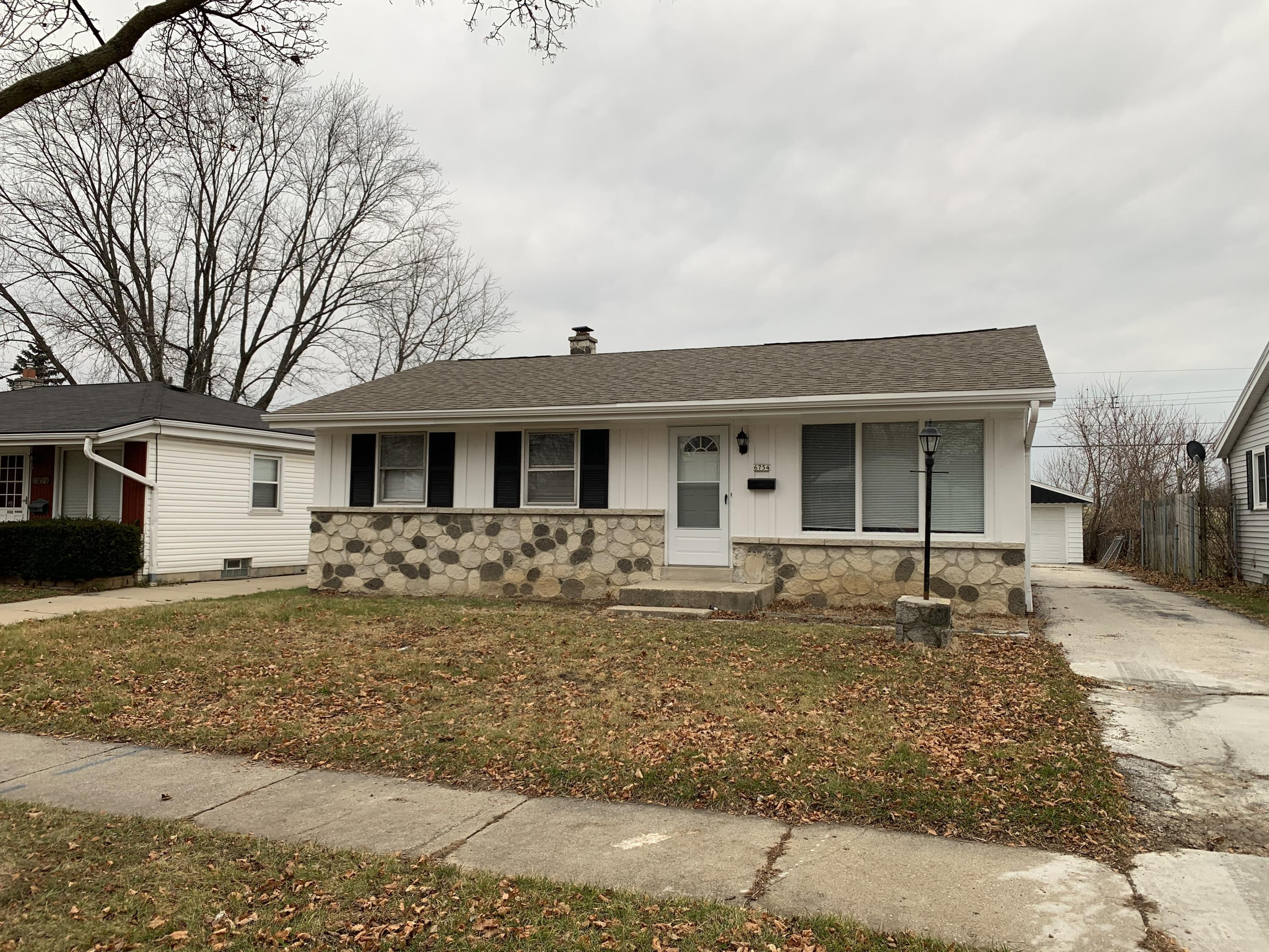 6754 51st St, Milwaukee, Wisconsin 53223, 3 Bedrooms Bedrooms, ,1 BathroomBathrooms,Single-family,For Sale,51st St,1721692