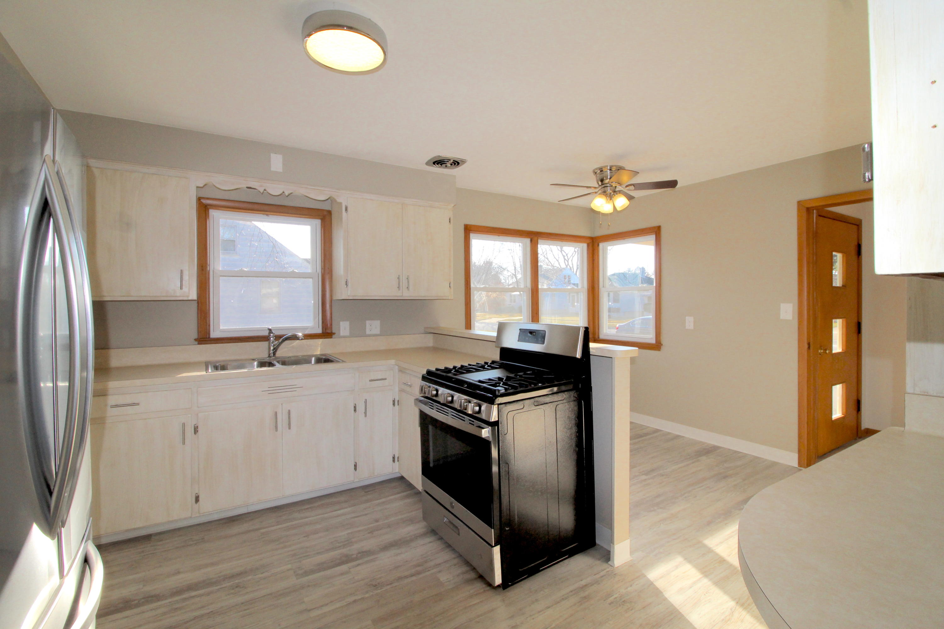 2809 24th Ave, Kenosha, Wisconsin 53140, 3 Bedrooms Bedrooms, ,1 BathroomBathrooms,Single-family,For Sale,24th Ave,1721763