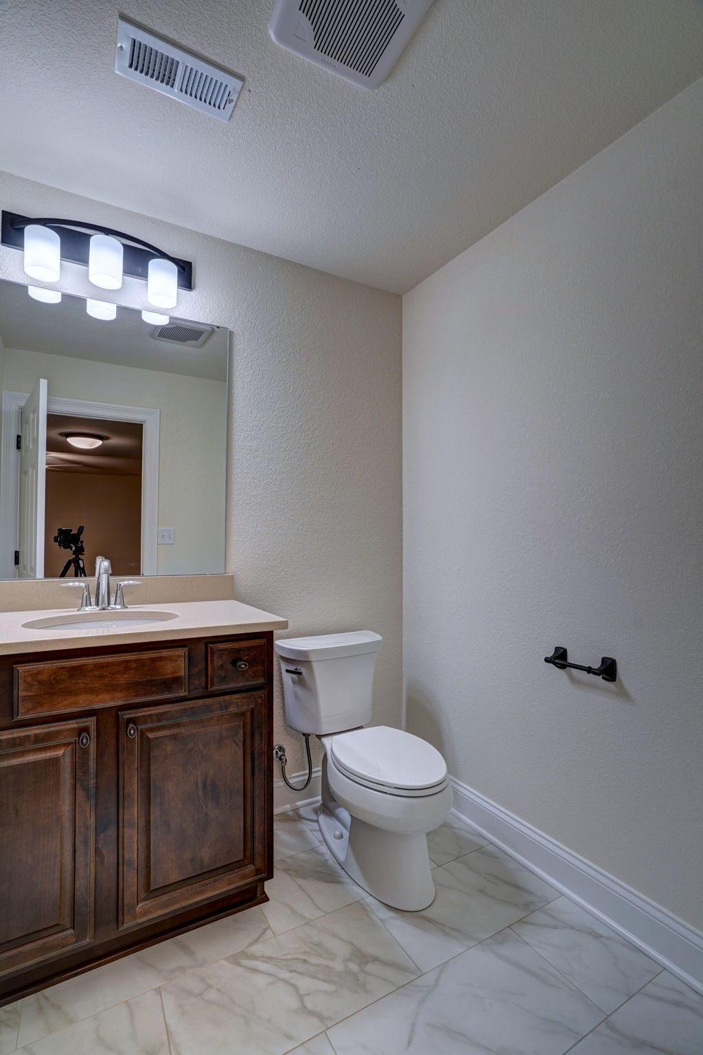 2000 Norfolk Ct, Union Grove, Wisconsin 53182, 3 Bedrooms Bedrooms, 7 Rooms Rooms,2 BathroomsBathrooms,Single-family,For Sale,Norfolk Ct,1721777