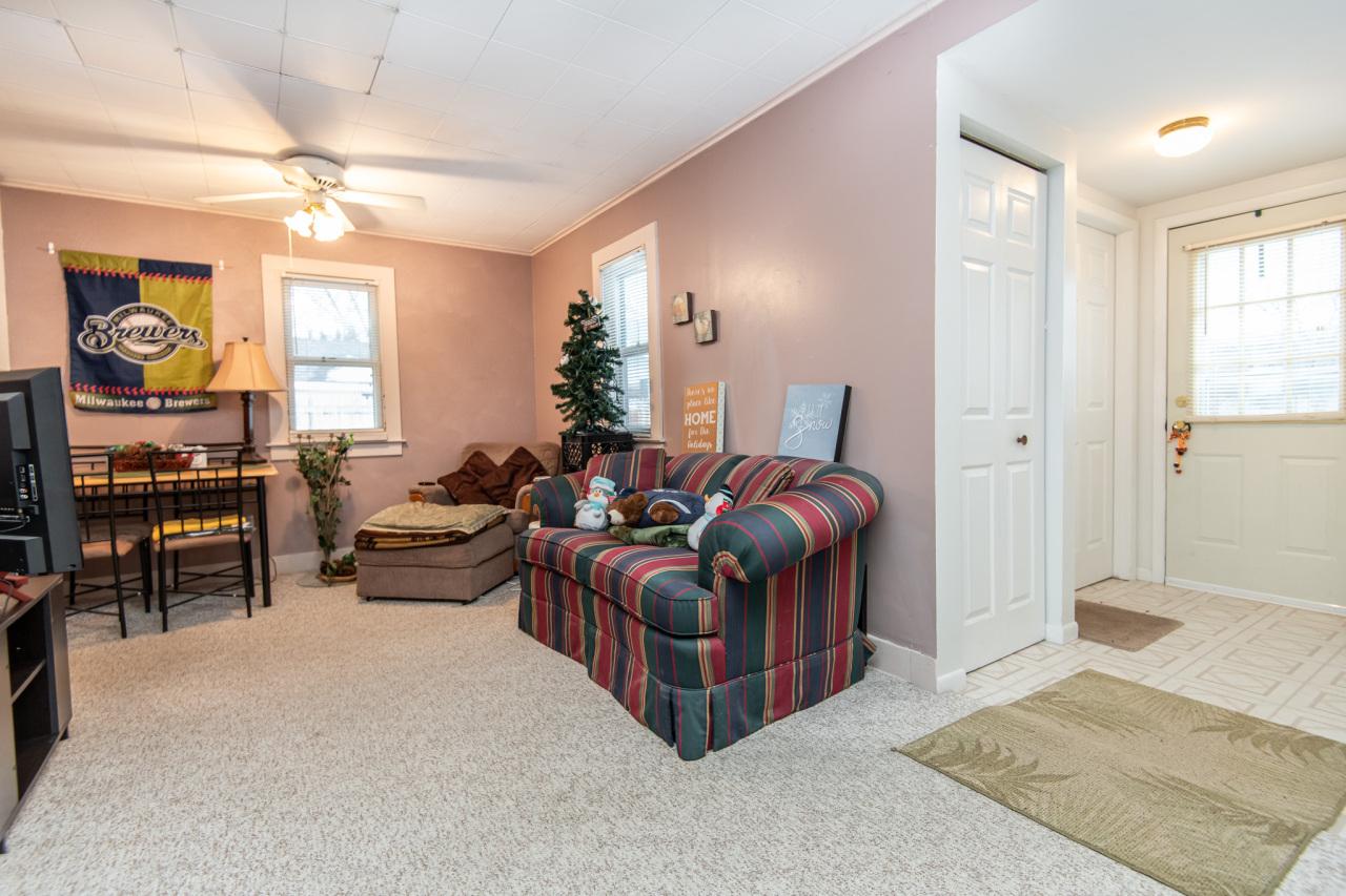 338 Coolidge Ave, Waukesha, Wisconsin 53186, 1 Bedroom Bedrooms, ,1 BathroomBathrooms,Single-family,For Sale,Coolidge Ave,1721818