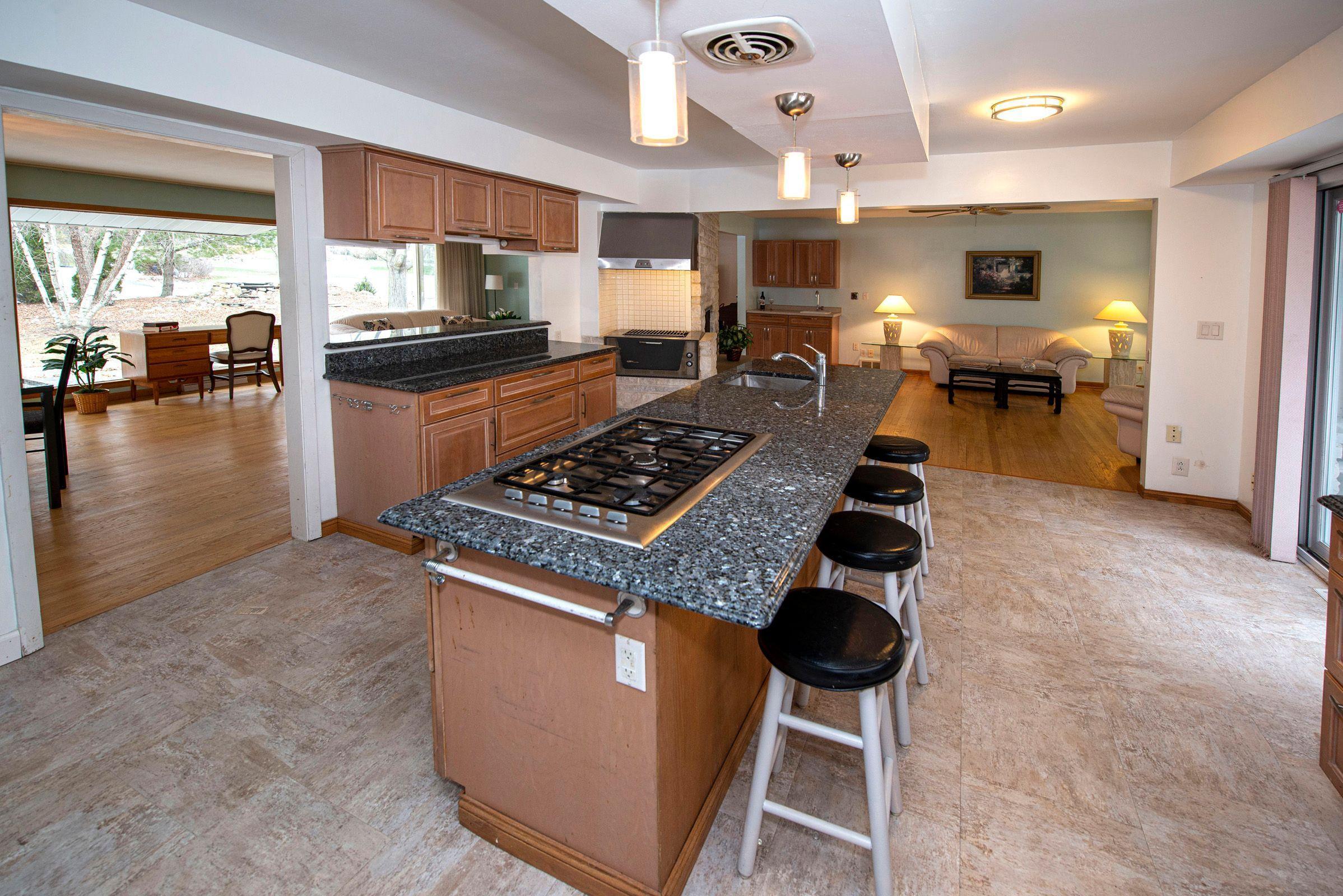 13505 Lannie Ct., Elm Grove, Wisconsin 53122, 4 Bedrooms Bedrooms, 12 Rooms Rooms,3 BathroomsBathrooms,Single-family,For Sale,Lannie Ct.,1721661