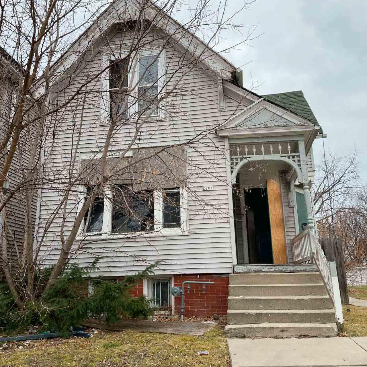 2206 37th St, Milwaukee, Wisconsin 53208, ,Two-family,For Sale,37th St,1721866