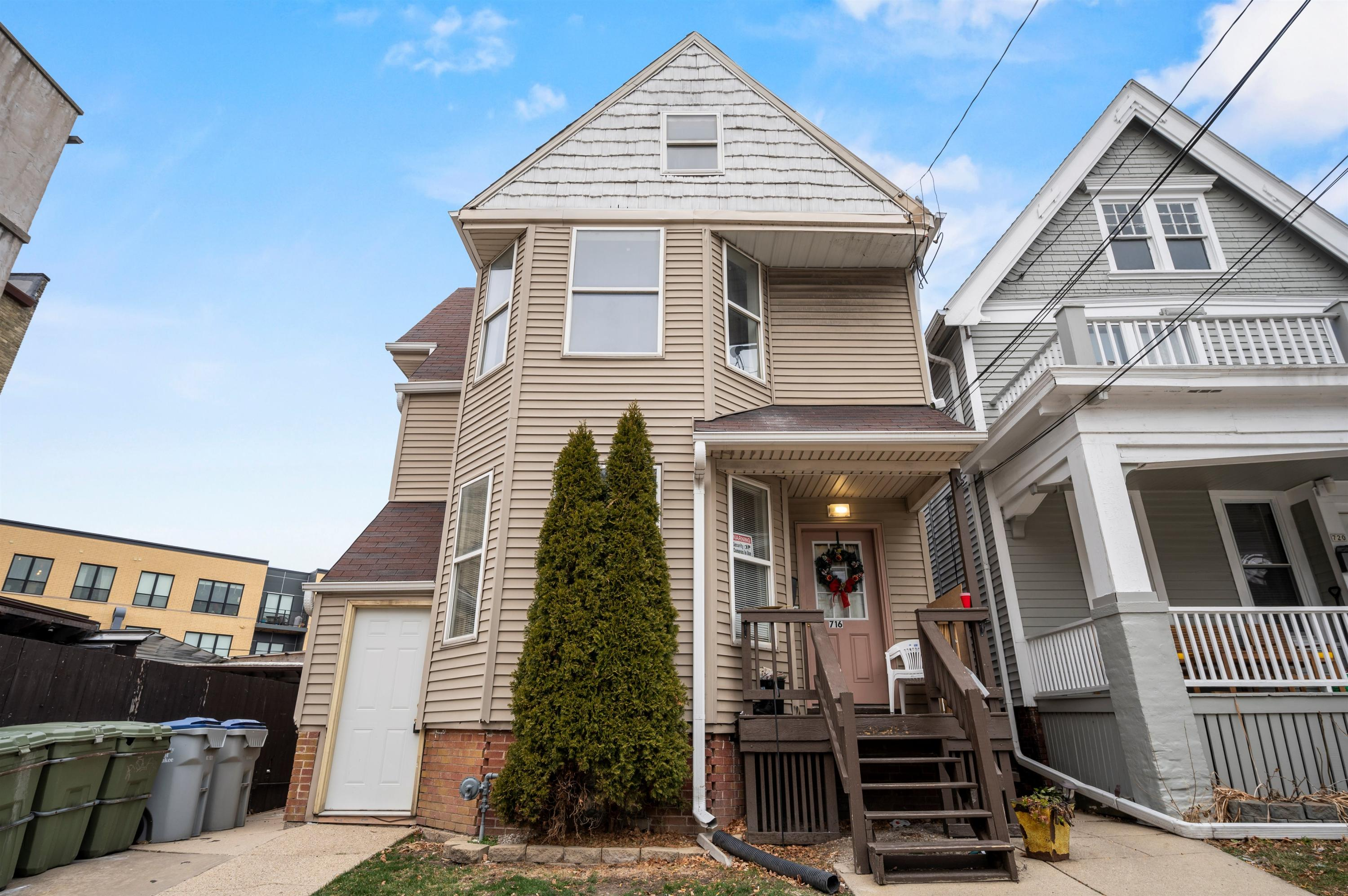 718 Pearson St, Milwaukee, Wisconsin 53202, ,Multi-family,For Sale,Pearson St,1721940