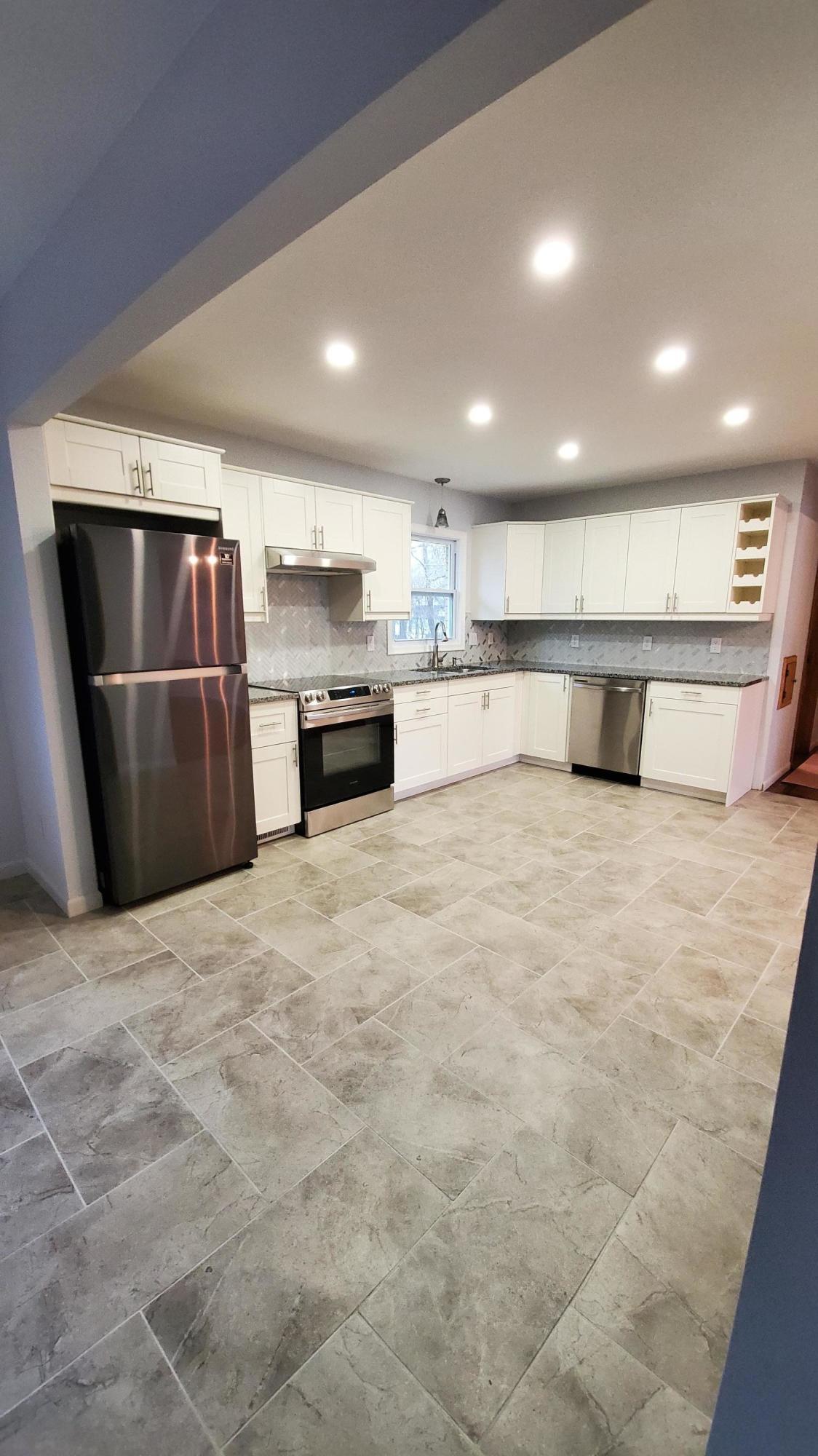5460 Honey Creek Dr, Greenfield, Wisconsin 53221, 3 Bedrooms Bedrooms, ,1 BathroomBathrooms,Single-family,For Sale,Honey Creek Dr,1721993