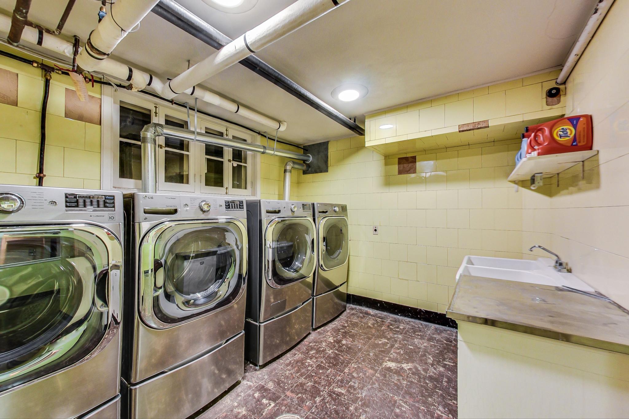 N7791 Asta Dr, La Grange, Wisconsin 53121, 7 Bedrooms Bedrooms, 21 Rooms Rooms,7 BathroomsBathrooms,Single-family,For Sale,Asta Dr,1722109