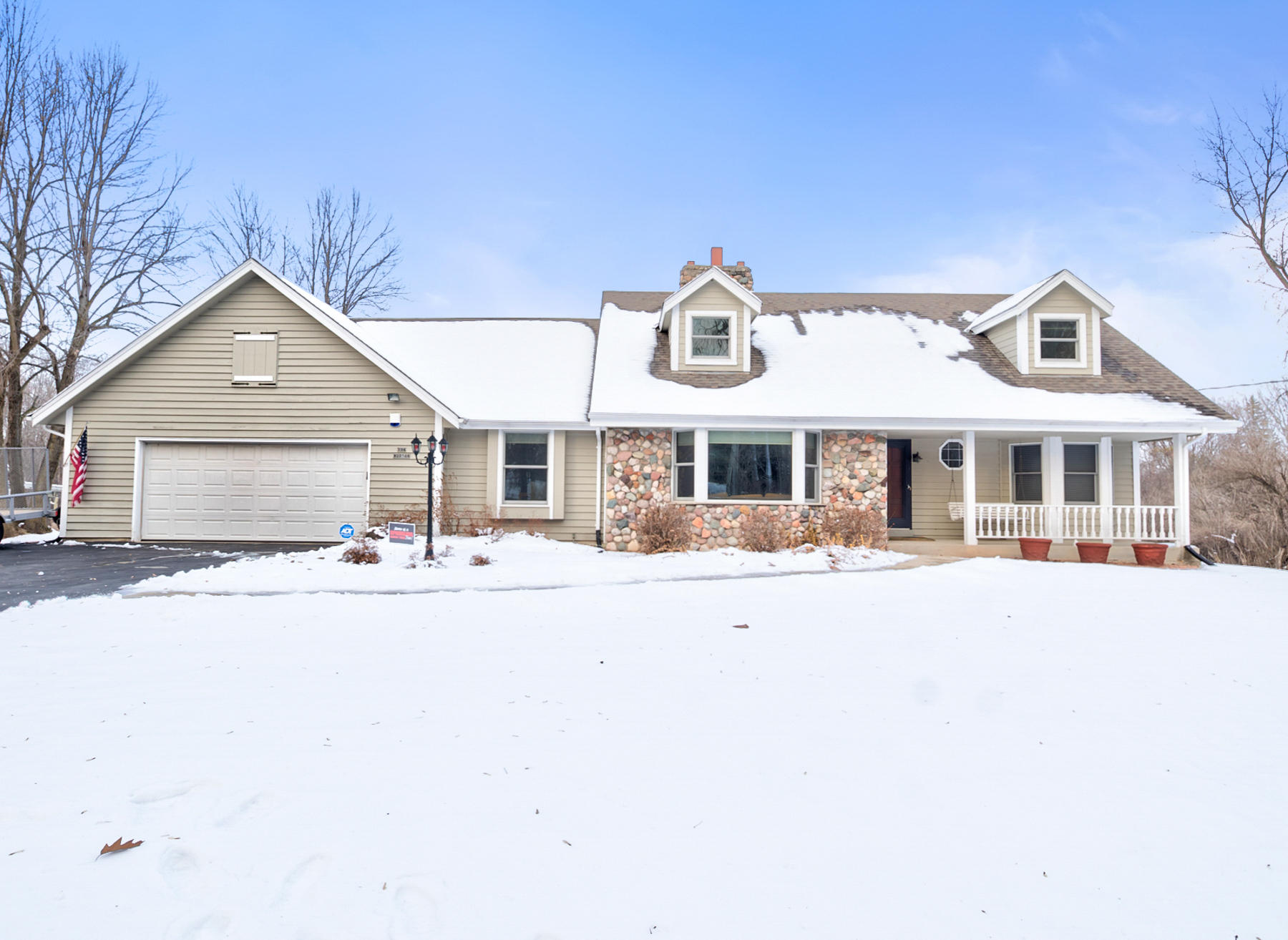 N94W20564 Schlei Rd, Menomonee Falls, Wisconsin 53051, 4 Bedrooms Bedrooms, 10 Rooms Rooms,2 BathroomsBathrooms,Single-family,For Sale,Schlei Rd,1722017