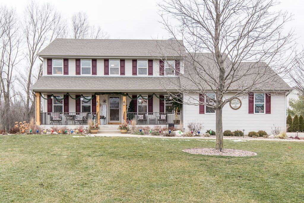 428 Sand Hill Ln, Dousman, Wisconsin 53118, 4 Bedrooms Bedrooms, ,3 BathroomsBathrooms,Single-family,For Sale,Sand Hill Ln,1722279