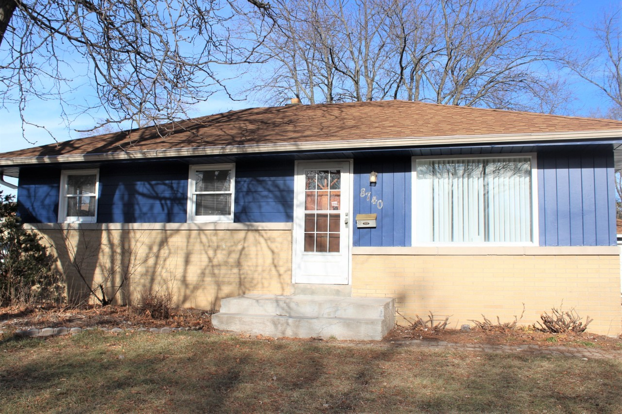 8740 Winfield Ave, Milwaukee, Wisconsin 53225, 3 Bedrooms Bedrooms, 5 Rooms Rooms,1 BathroomBathrooms,Single-family,For Sale,Winfield Ave,1722152