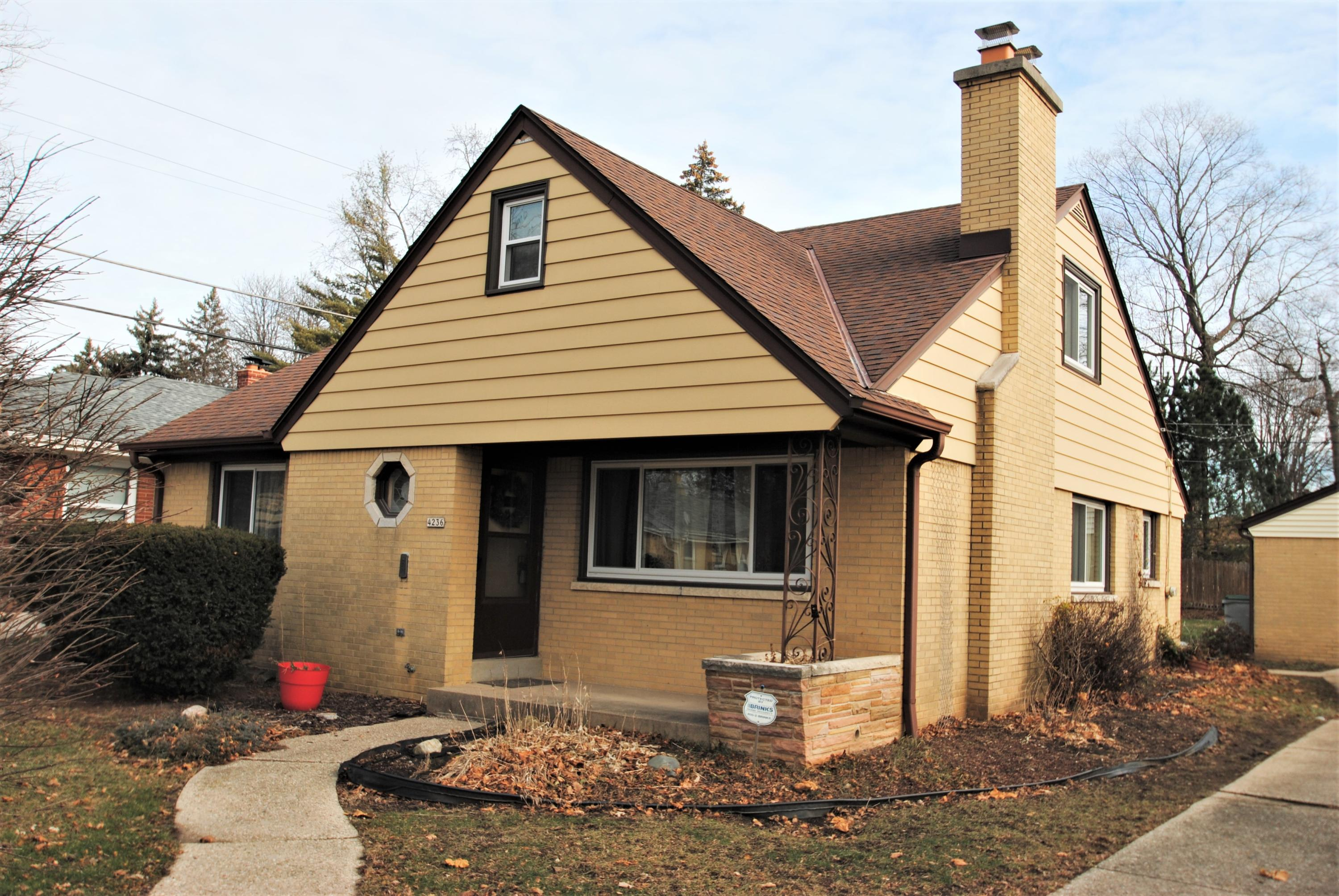 4236 86th St, Milwaukee, Wisconsin 53222, 4 Bedrooms Bedrooms, 8 Rooms Rooms,2 BathroomsBathrooms,Single-family,For Sale,86th St,1722358