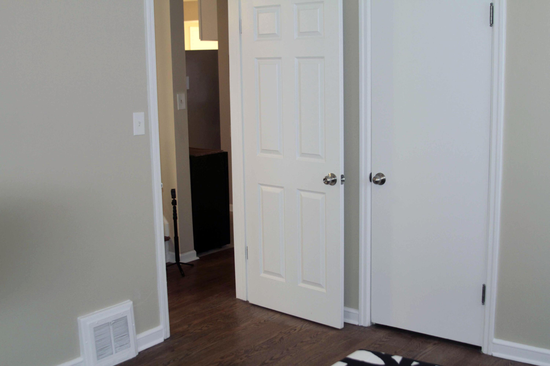 Bedroom 2 entry