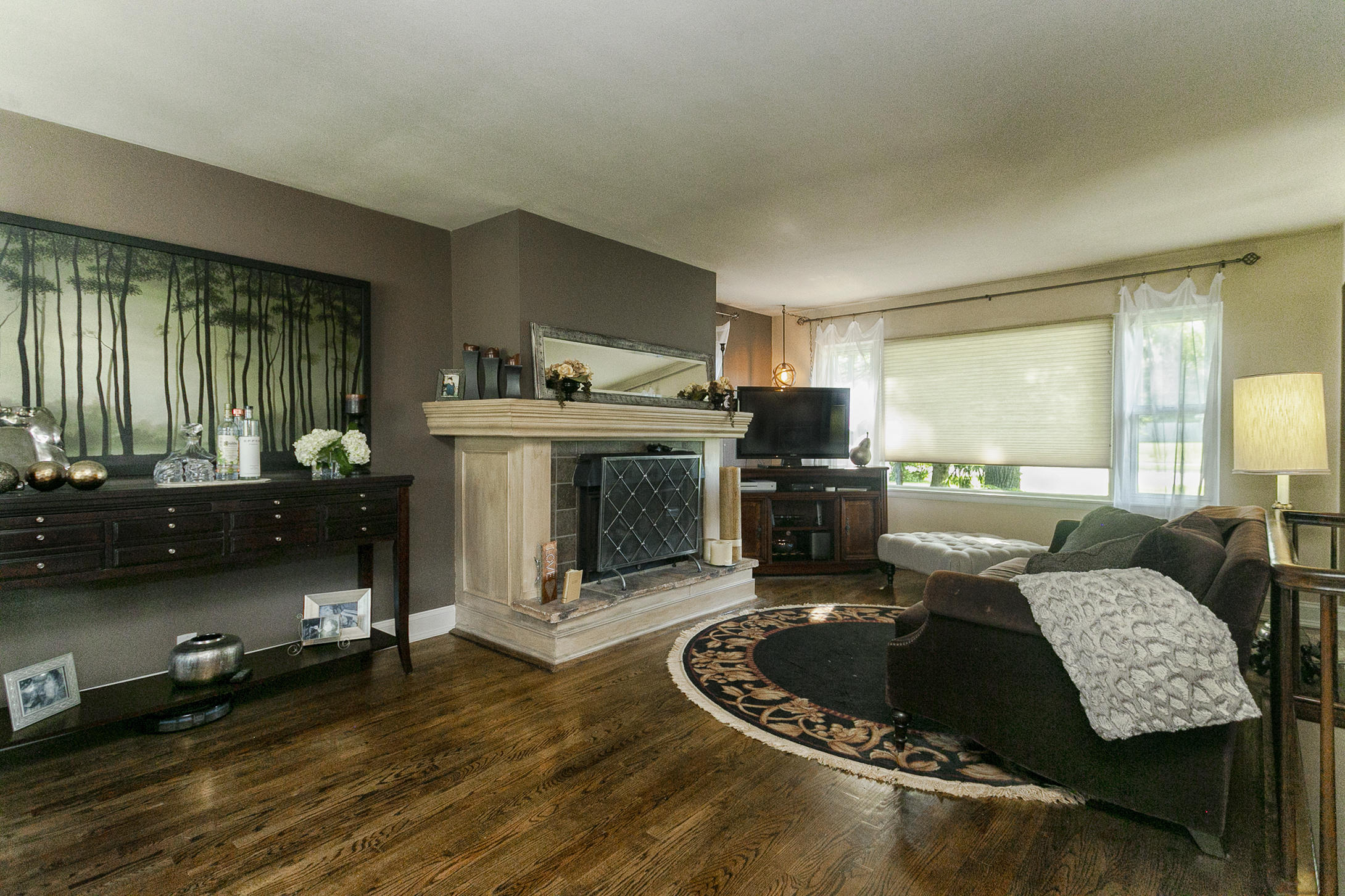 Main Living Room, Natural Fireplace