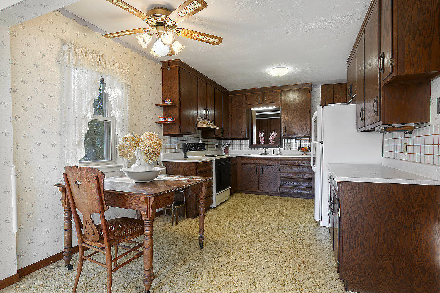 9404 County Road Q, Kossuth, Wisconsin 54241, 3 Bedrooms Bedrooms, ,1 BathroomBathrooms,Single-family,For Sale,County Road Q,1722376