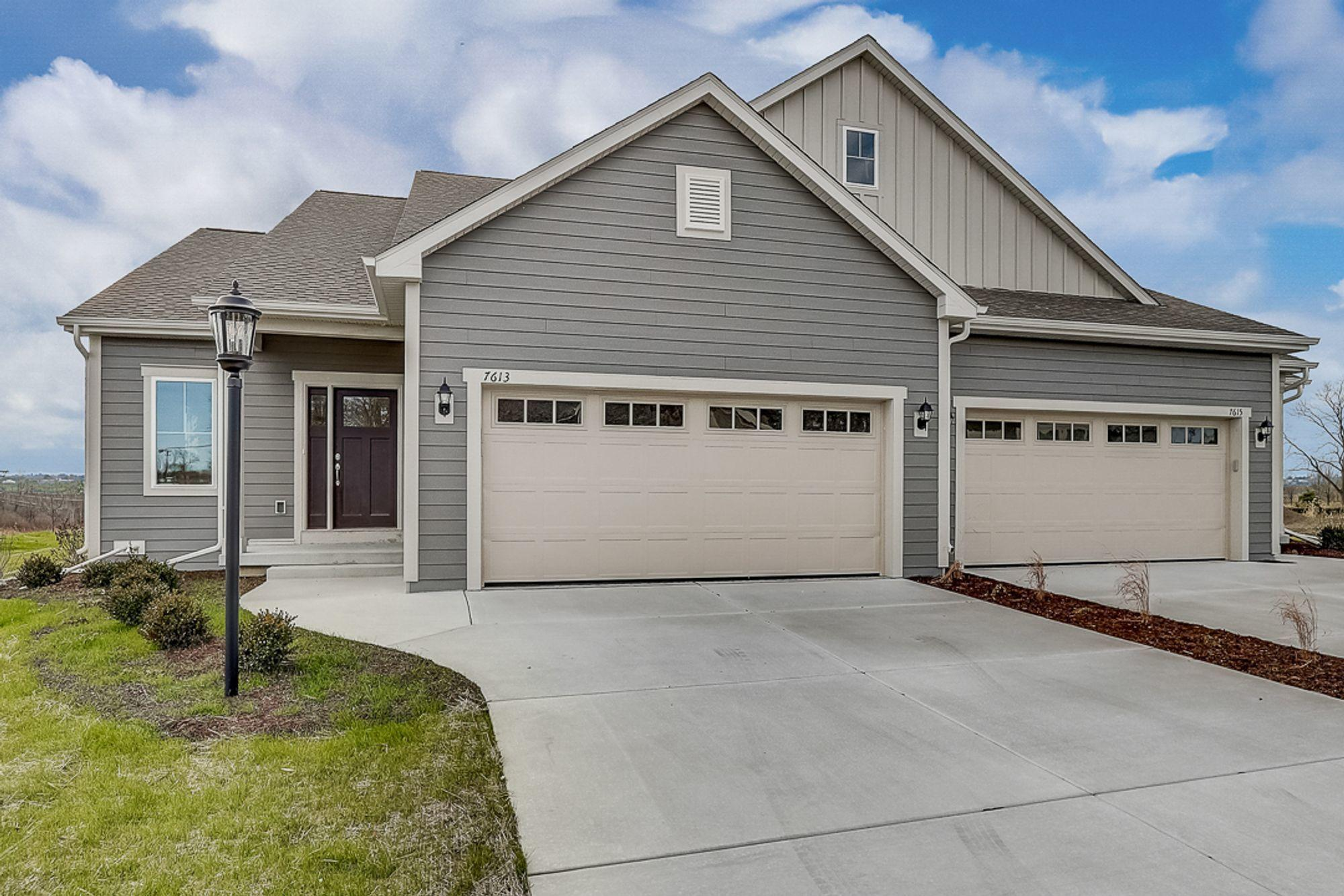 7613 Park Circle Way, Franklin, Wisconsin 53132, 2 Bedrooms Bedrooms, 6 Rooms Rooms,2 BathroomsBathrooms,Condominium,For Sale,Park Circle Way,1722414