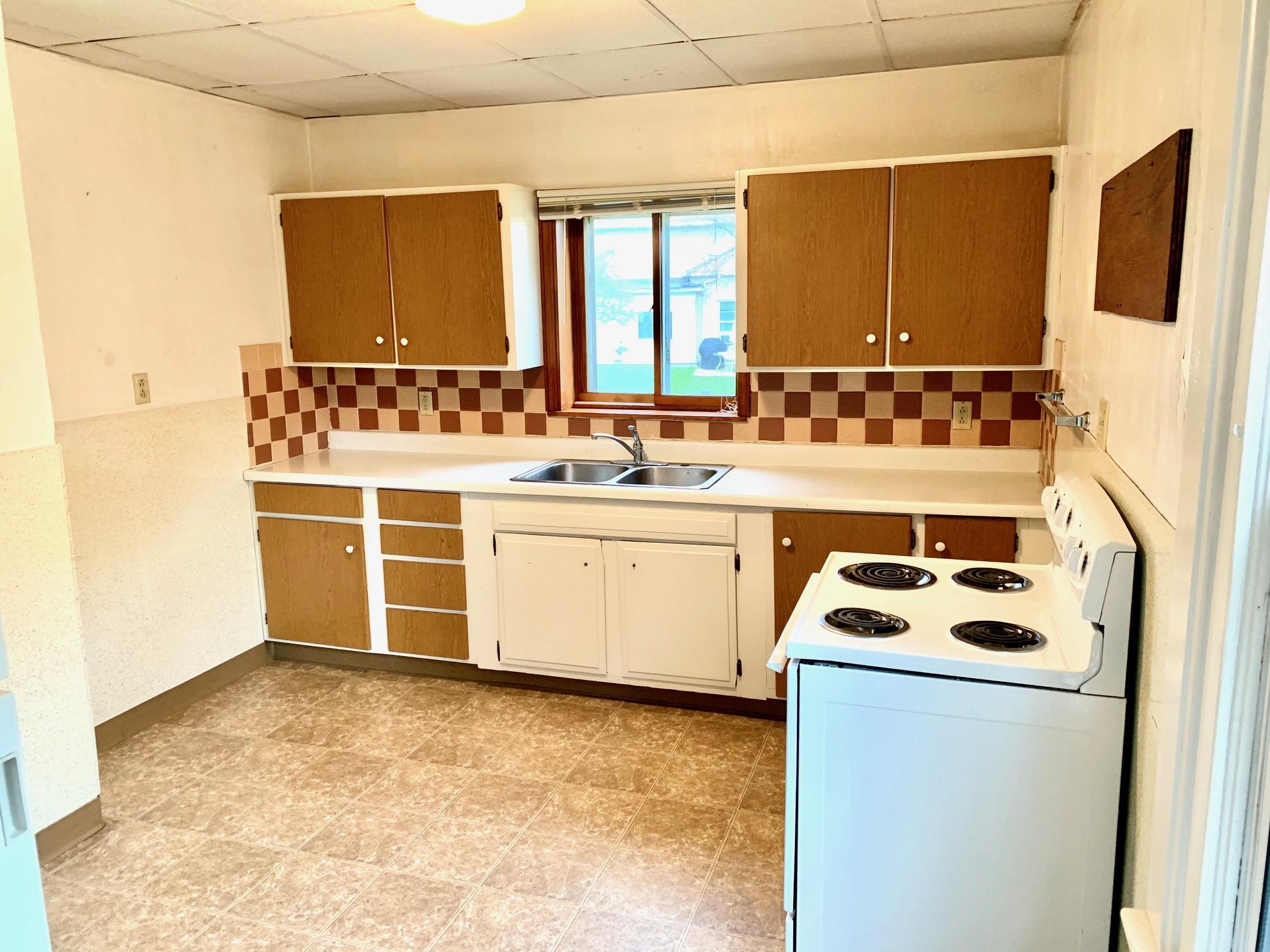 309 N Church St pic lower apartment 9
