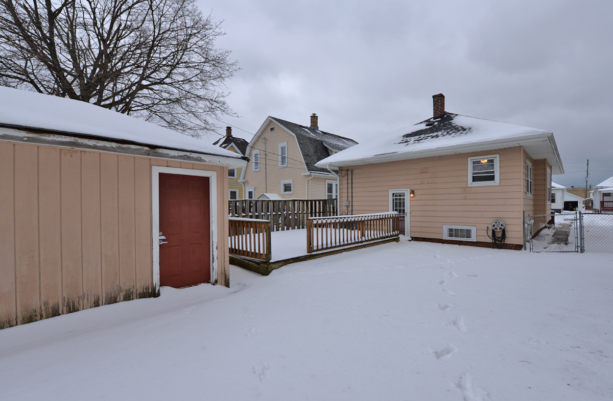 1230 Grove Ave, Racine, Wisconsin 53405, 2 Bedrooms Bedrooms, 5 Rooms Rooms,2 BathroomsBathrooms,Single-family,For Sale,Grove Ave,1722595