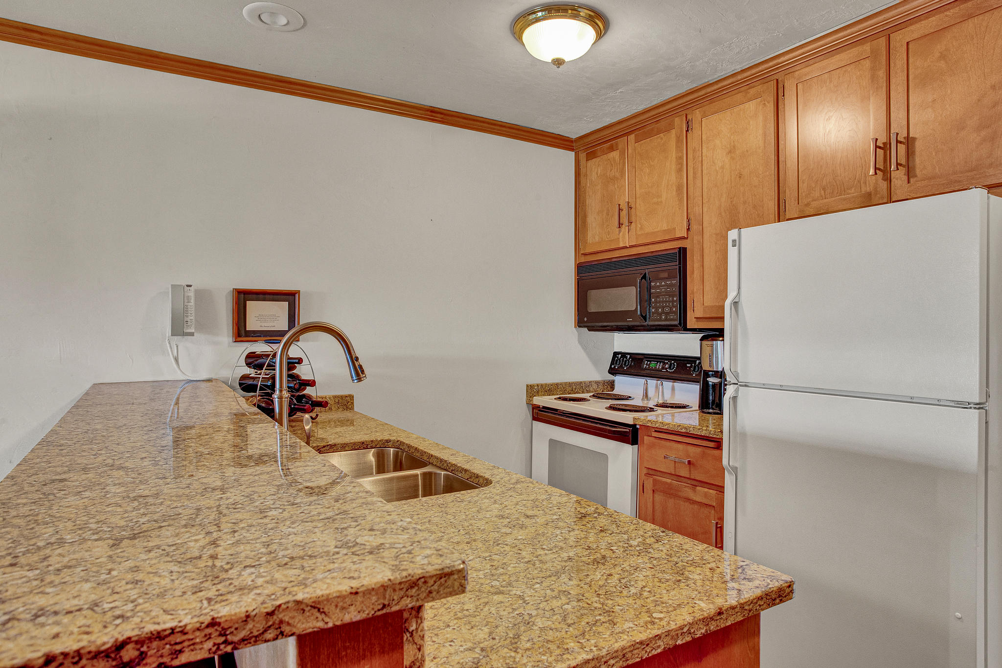 101 Osthoff Ave, Elkhart Lake, Wisconsin 53020, 2 Bedrooms Bedrooms, ,2 BathroomsBathrooms,Condominium,For Sale,Osthoff Ave,1722927