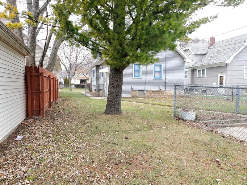4424 54th St, Milwaukee, Wisconsin 53218, 2 Bedrooms Bedrooms, 5 Rooms Rooms,1 BathroomBathrooms,Single-family,For Sale,54th St,1722832
