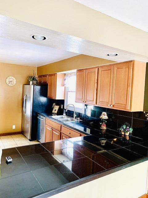 5637 67th Pl, Kenosha, Wisconsin 53142, 3 Bedrooms Bedrooms, 6 Rooms Rooms,2 BathroomsBathrooms,Single-family,For Sale,67th Pl,1722803