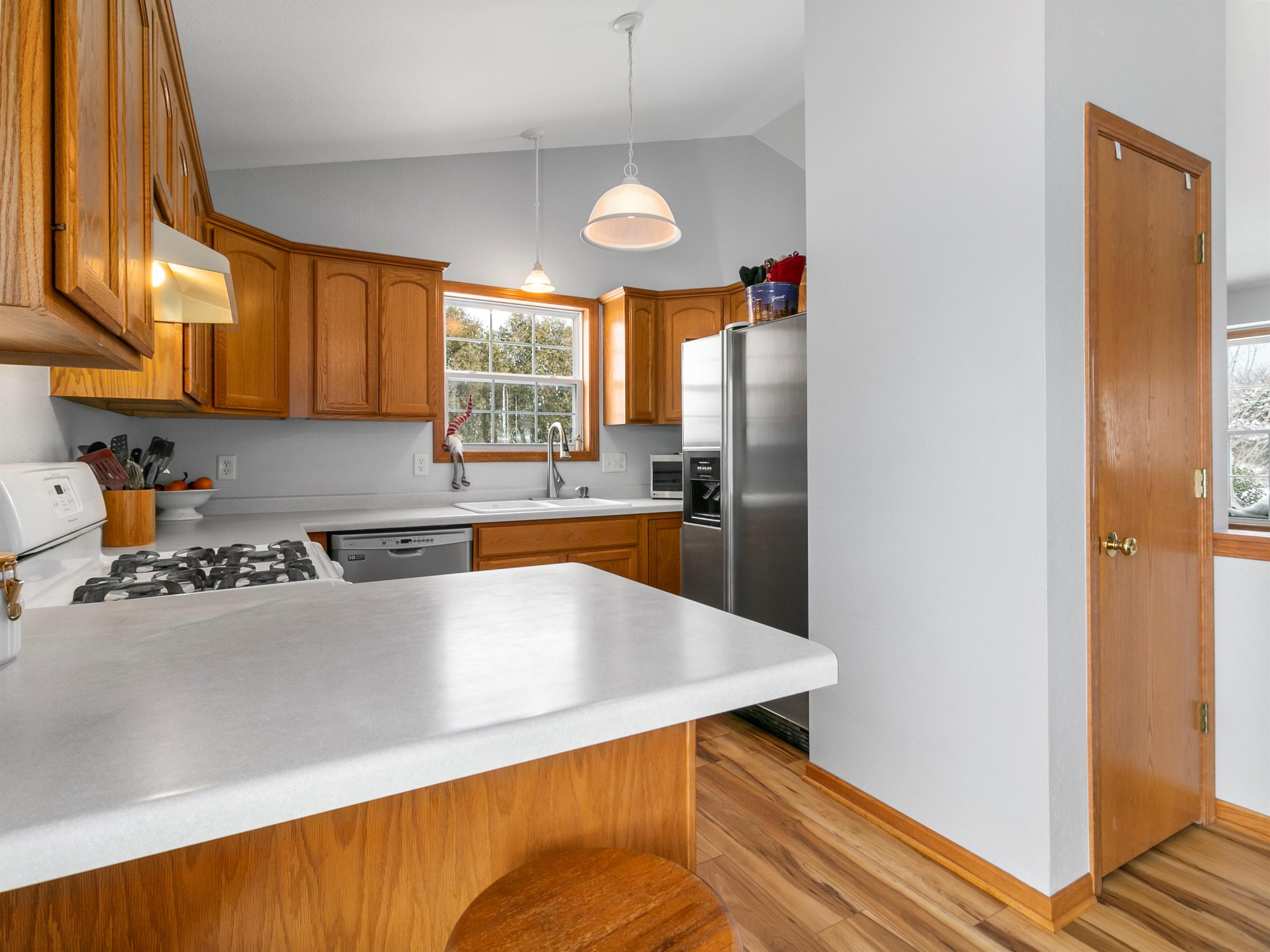656 7th St, Oostburg, Wisconsin 53070, 4 Bedrooms Bedrooms, ,2 BathroomsBathrooms,Single-family,For Sale,7th St,1722898