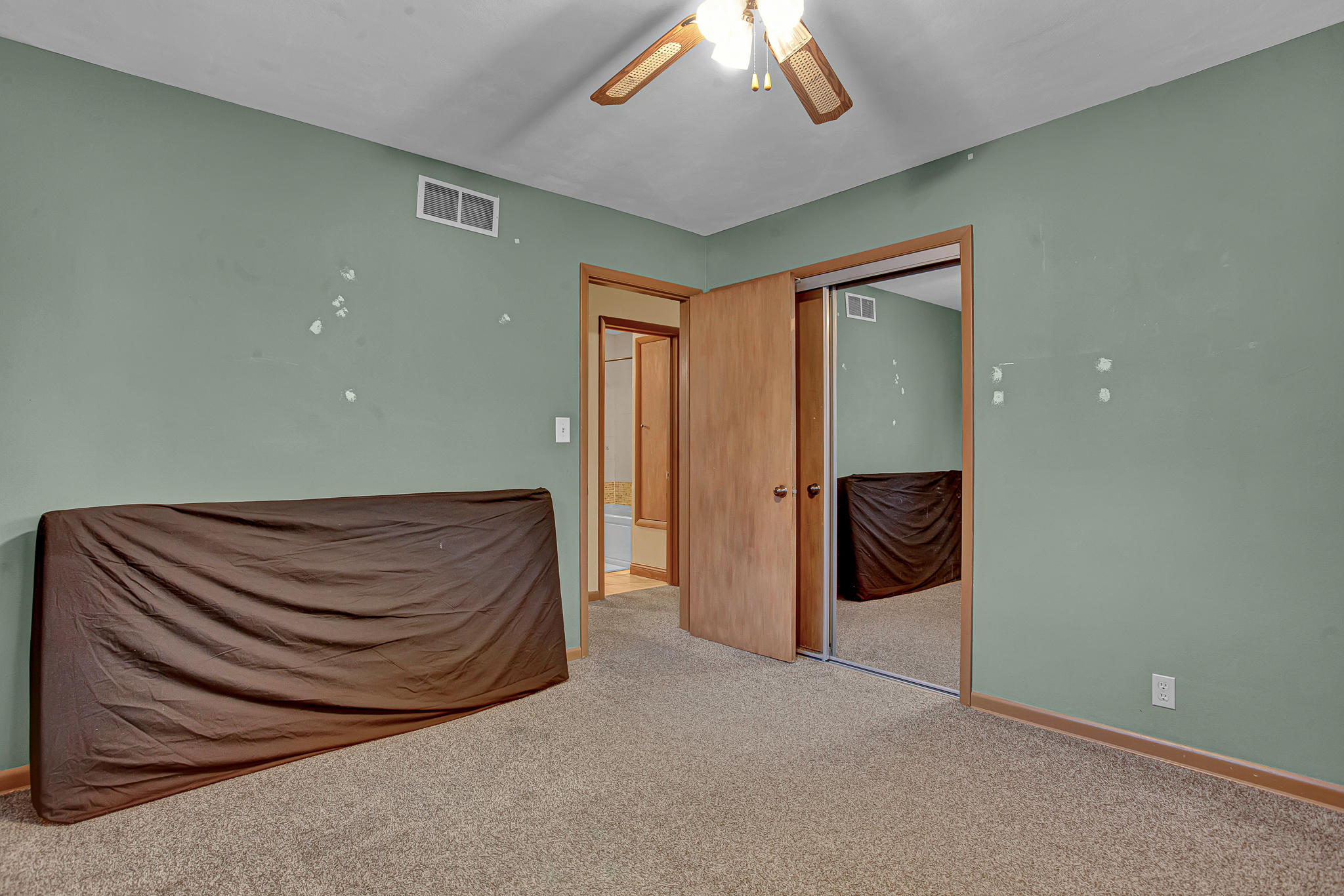 7681 44th St, Brown Deer, Wisconsin 53223, 3 Bedrooms Bedrooms, 6 Rooms Rooms,1 BathroomBathrooms,Single-family,For Sale,44th St,1723083