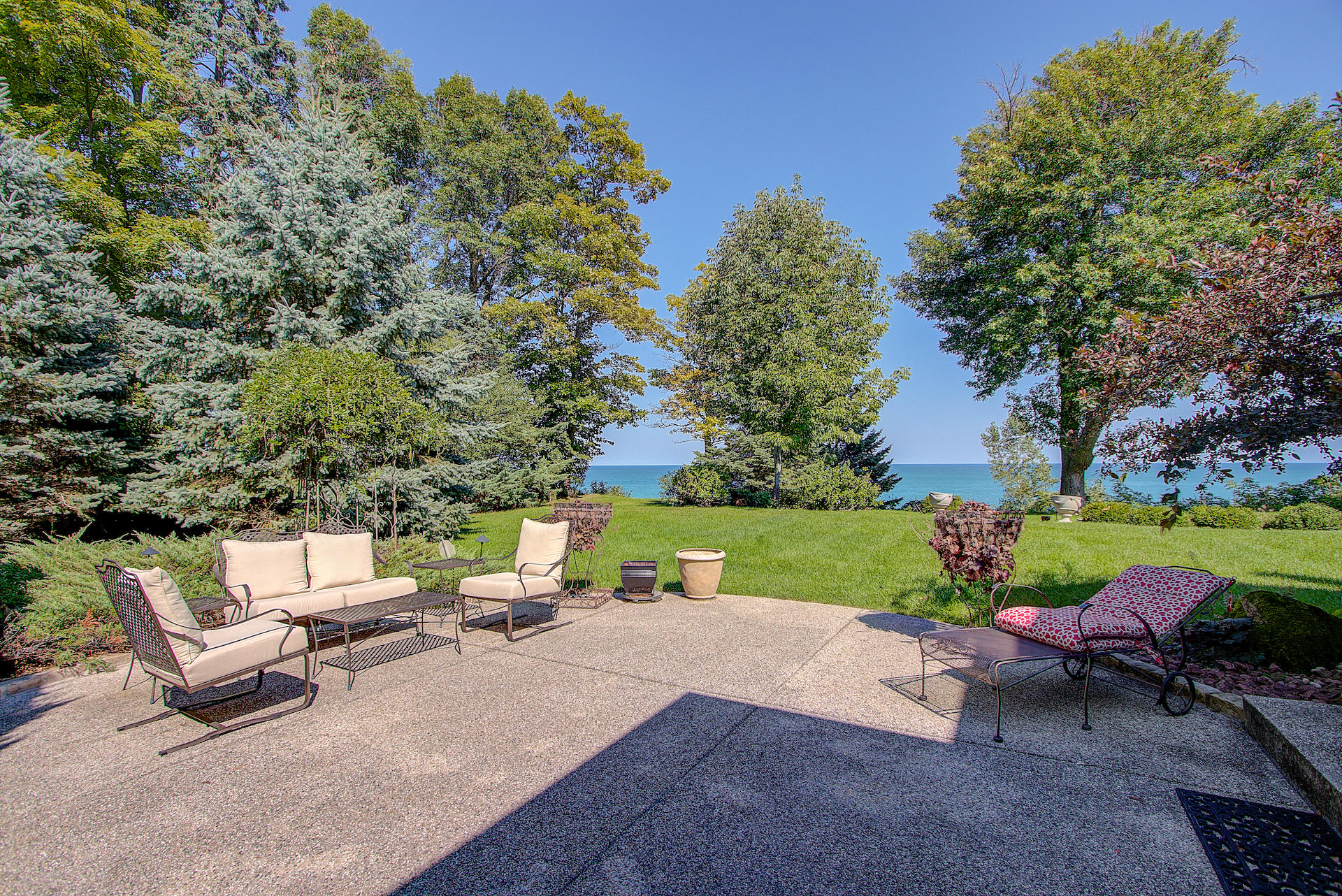 10058 Sheridan Dr, Mequon, Wisconsin 53092, 4 Bedrooms Bedrooms, 9 Rooms Rooms,4 BathroomsBathrooms,Single-family,For Sale,Sheridan Dr,1722937