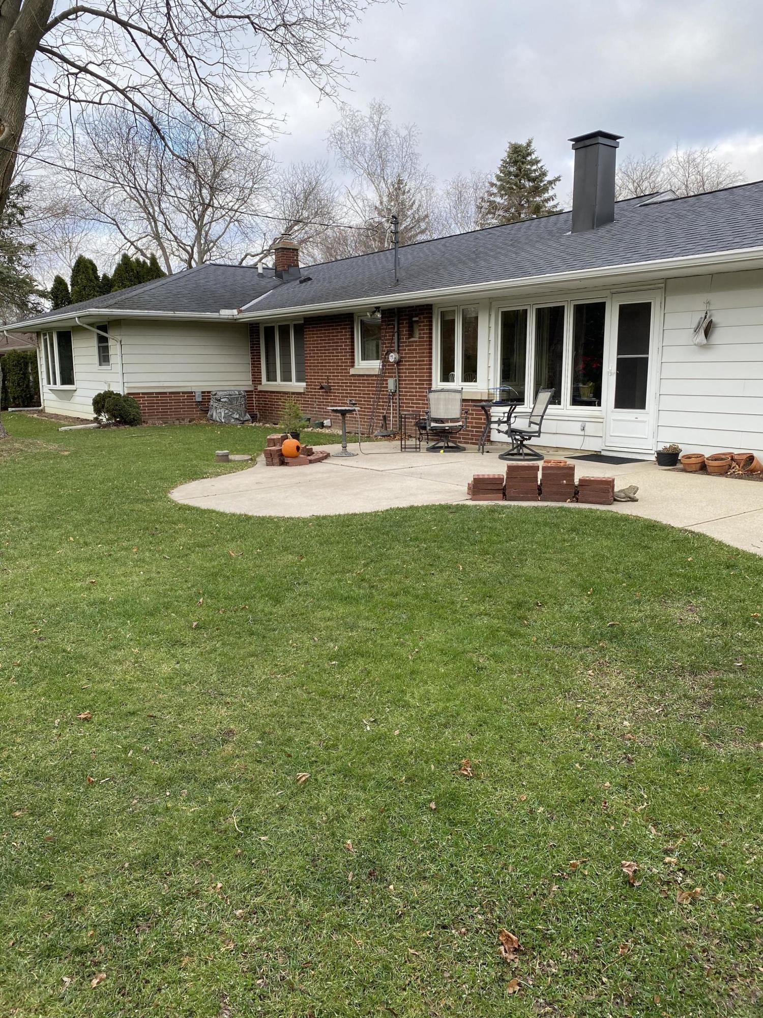 311 Heidel Rd, Thiensville, Wisconsin 53092, 3 Bedrooms Bedrooms, 7 Rooms Rooms,2 BathroomsBathrooms,Single-family,For Sale,Heidel Rd,1722956