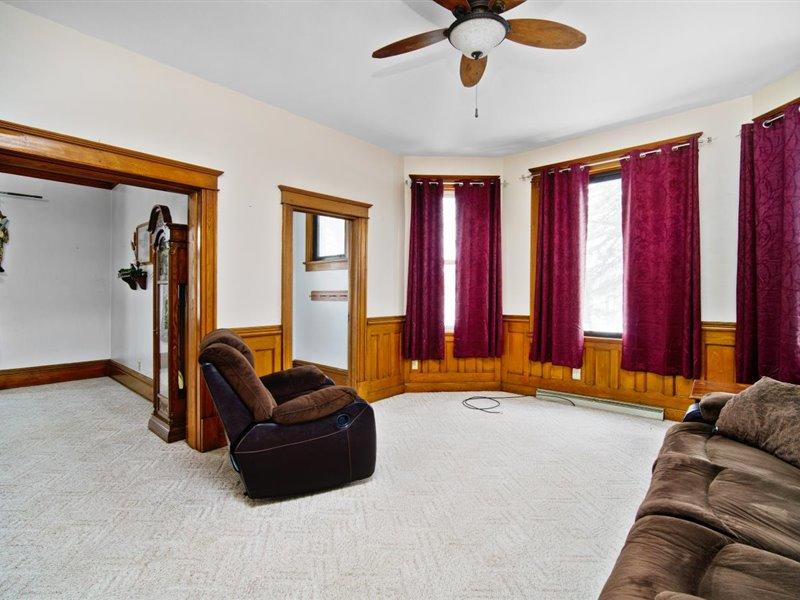 136 Main St, Mishicot, Wisconsin 54228, 4 Bedrooms Bedrooms, 9 Rooms Rooms,2 BathroomsBathrooms,Single-family,For Sale,Main St,1723002