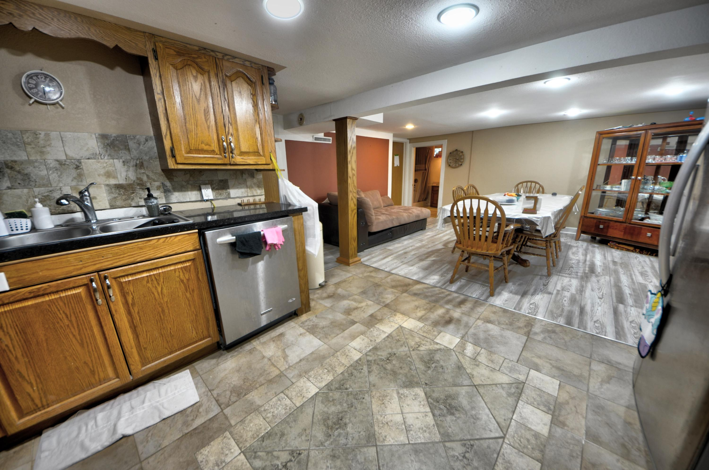 4353 5th St, Milwaukee, Wisconsin 53207, 7 Bedrooms Bedrooms, 16 Rooms Rooms,4 BathroomsBathrooms,Single-family,For Sale,5th St,1723160
