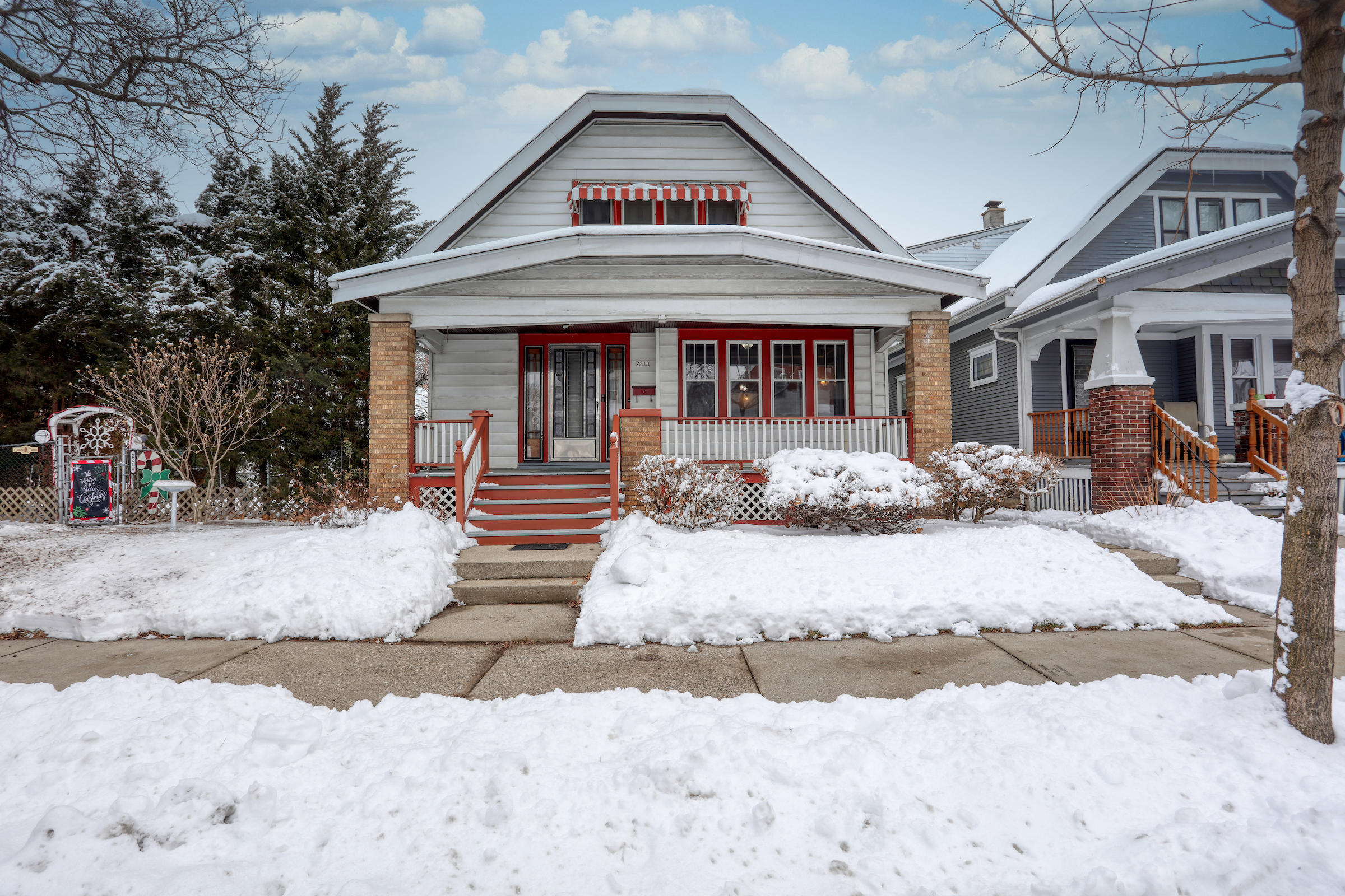 2218 33rd St, Milwaukee, Wisconsin 53215, ,Two-family,For Sale,33rd St,1723295