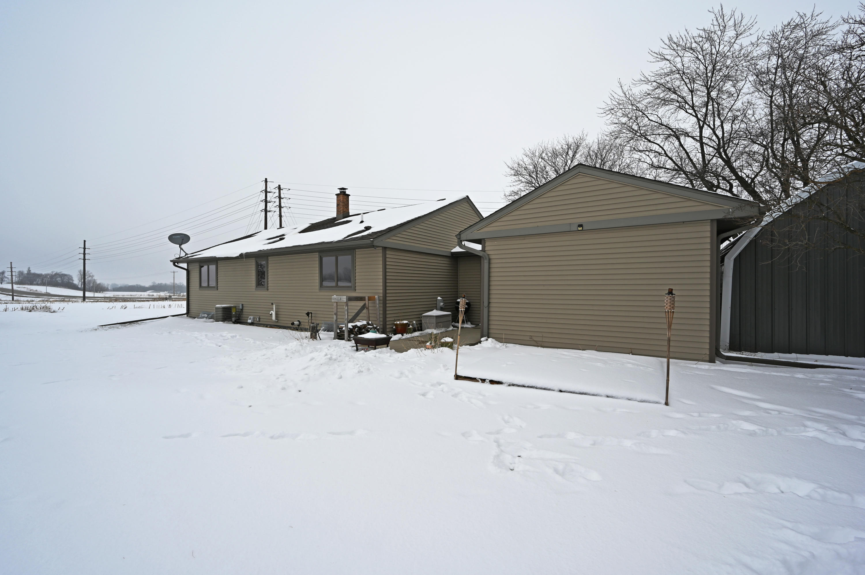 4307 County Road P, Rubicon, Wisconsin 53078, 2 Bedrooms Bedrooms, ,1 BathroomBathrooms,Single-family,For Sale,County Road P,1723204