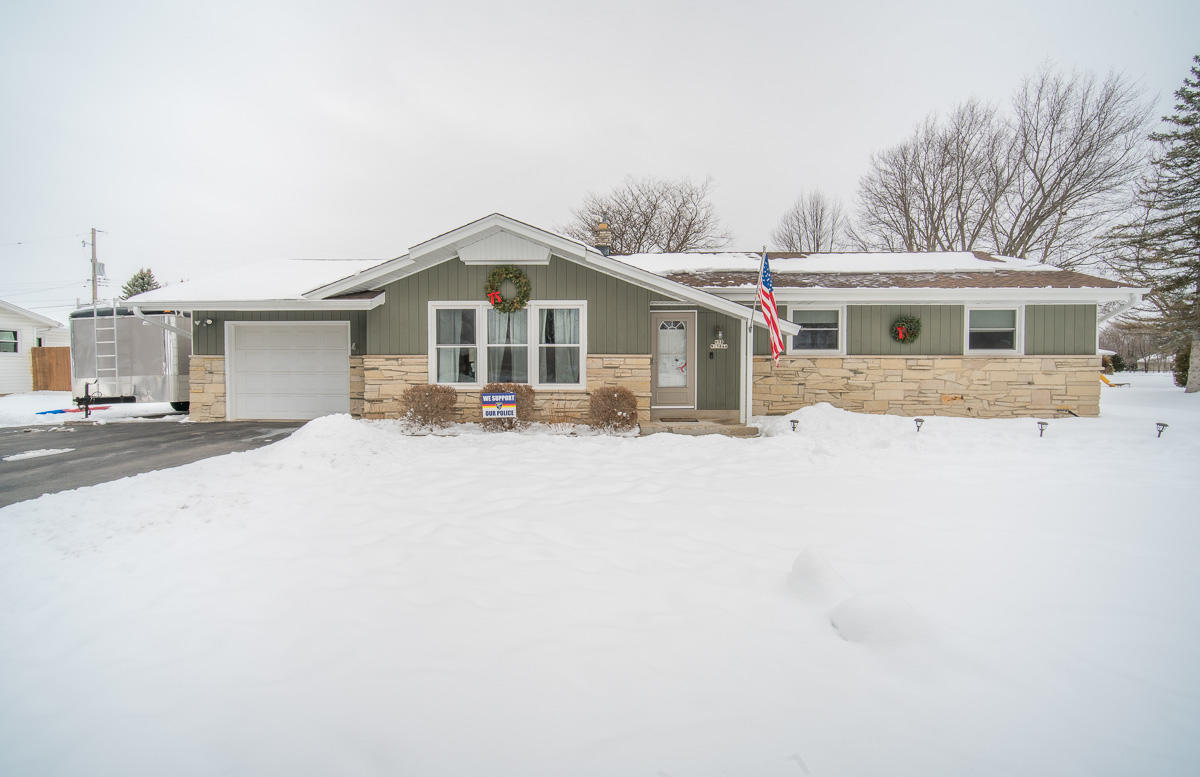 N98W15844 Shagbark Rd, Germantown, Wisconsin 53022, 3 Bedrooms Bedrooms, 6 Rooms Rooms,1 BathroomBathrooms,Single-family,For Sale,Shagbark Rd,1723518